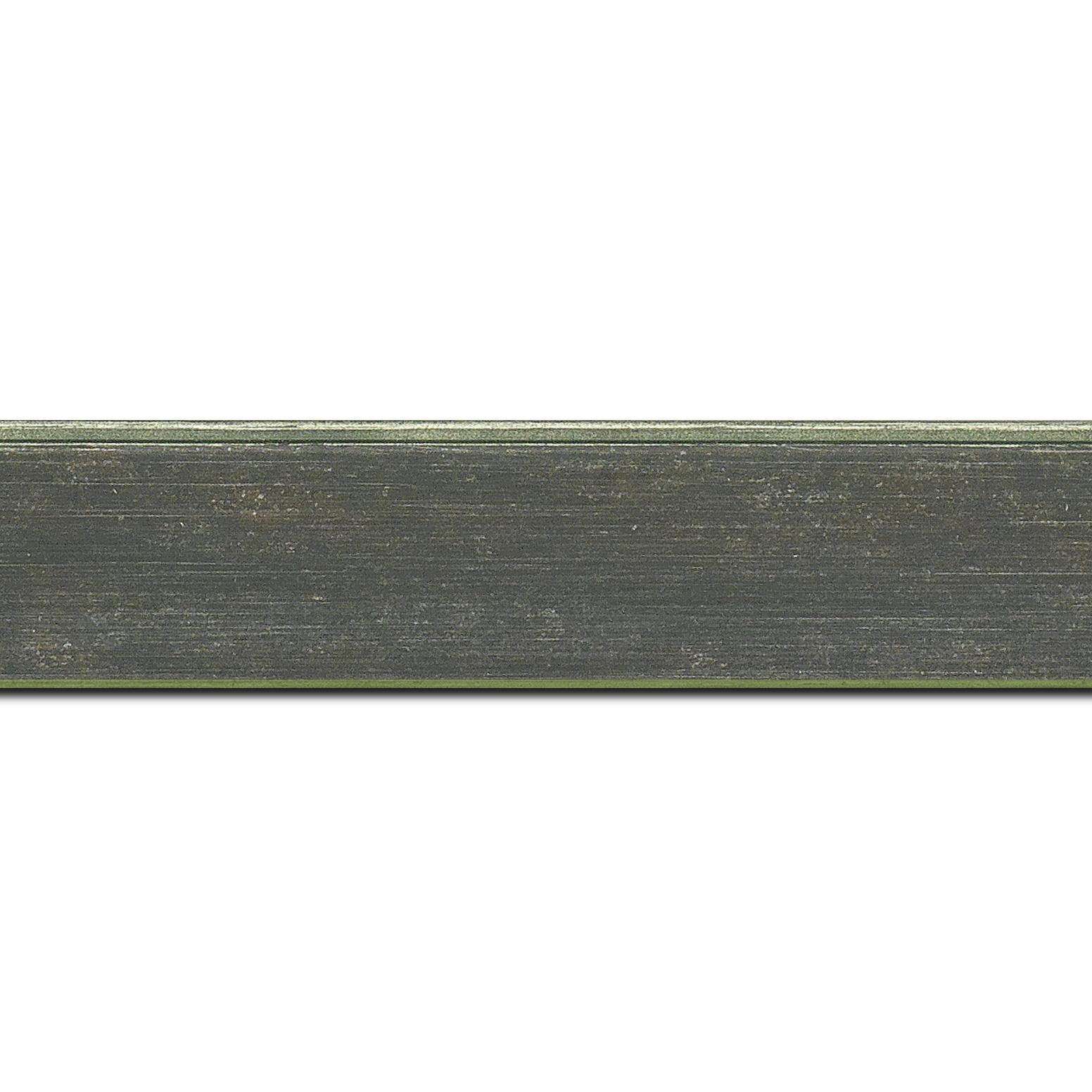 Pack par 12m, bois profil plat incliné largeur 3.7cm couleur vert foncé effet ressuyé (longueur baguette pouvant varier entre 2.40m et 3m selon arrivage des bois)
