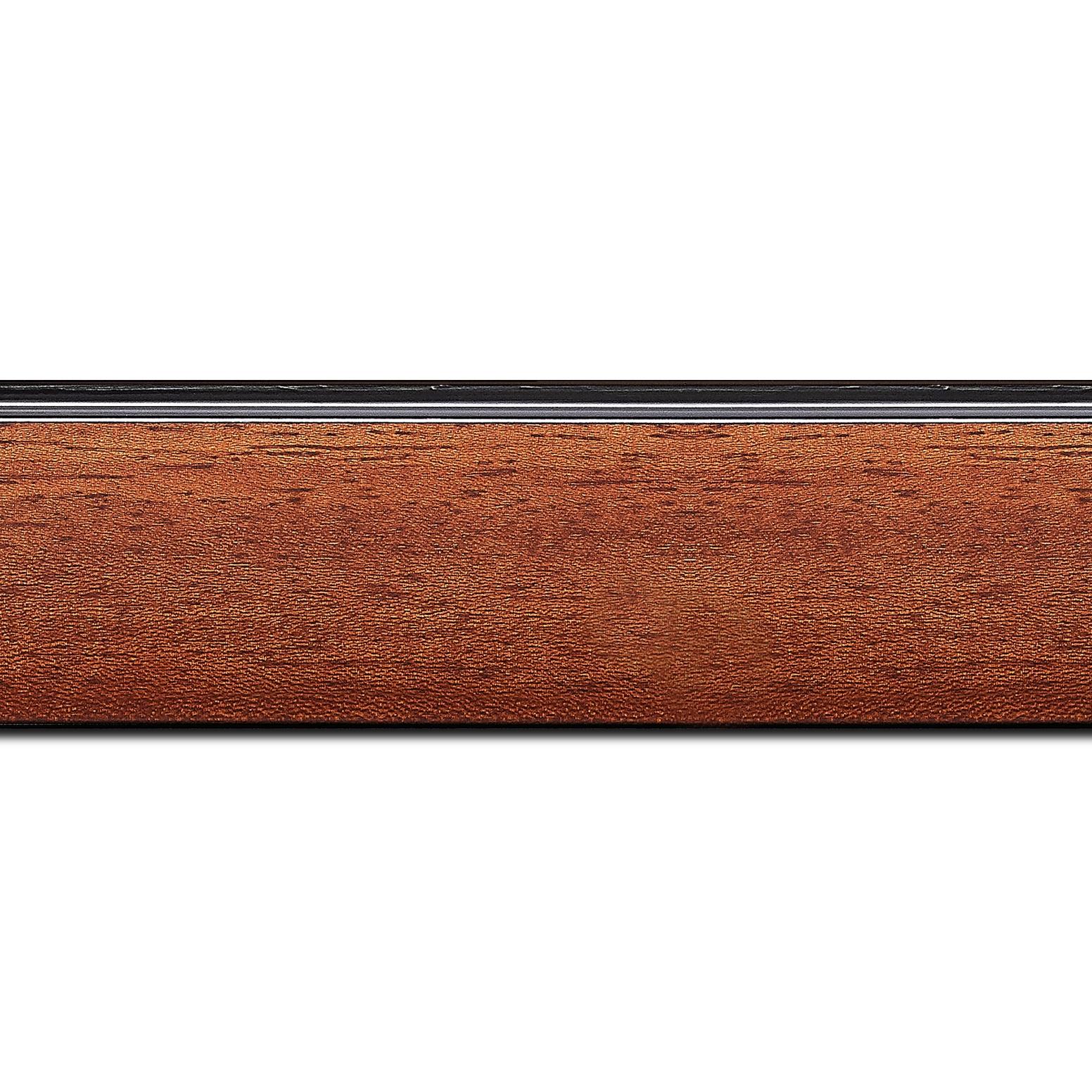 Pack par 12m, bois profil en pente méplat largeur 4.8cm couleur acajou satiné surligné par une gorge extérieure noire : originalité et élégance assurée (longueur baguette pouvant varier entre 2.40m et 3m selon arrivage des bois)