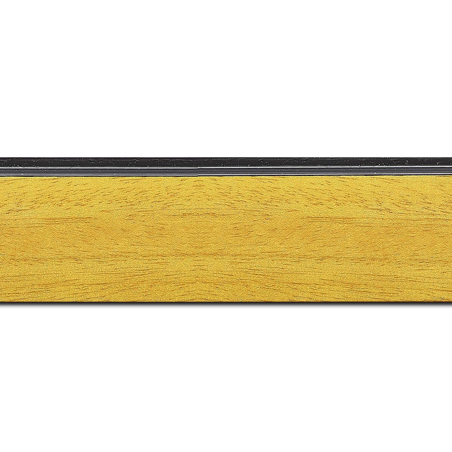 Pack par 12m, bois profil en pente méplat largeur 4.8cm couleur jaune tournesol satiné surligné par une gorge extérieure noire : originalité et élégance assurée (longueur baguette pouvant varier entre 2.40m et 3m selon arrivage des bois)