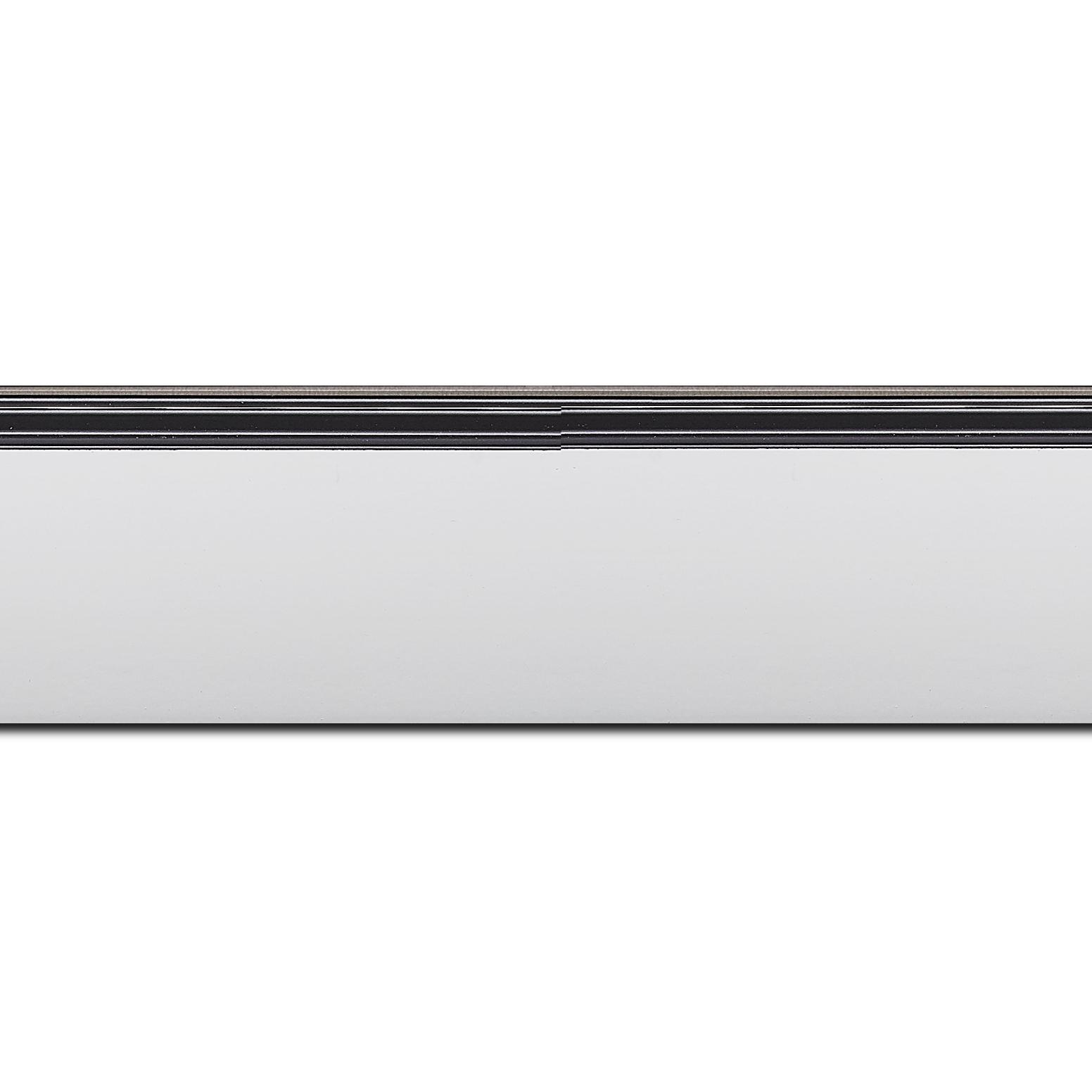 Baguette longueur 1.40m bois profil en pente méplat largeur 4.8cm couleur blanc mat surligné par une gorge extérieure noire : originalité et élégance assurée