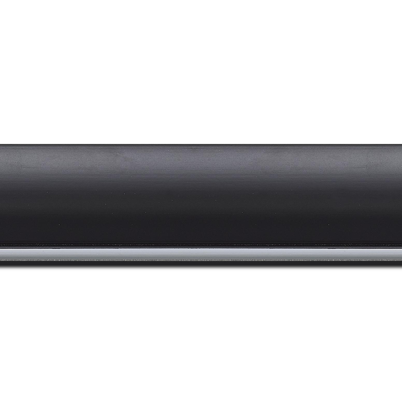 Baguette longueur 1.40m bois profil arrondi largeur 4.7cm couleur noir mat finition pore bouché filet blanc mat