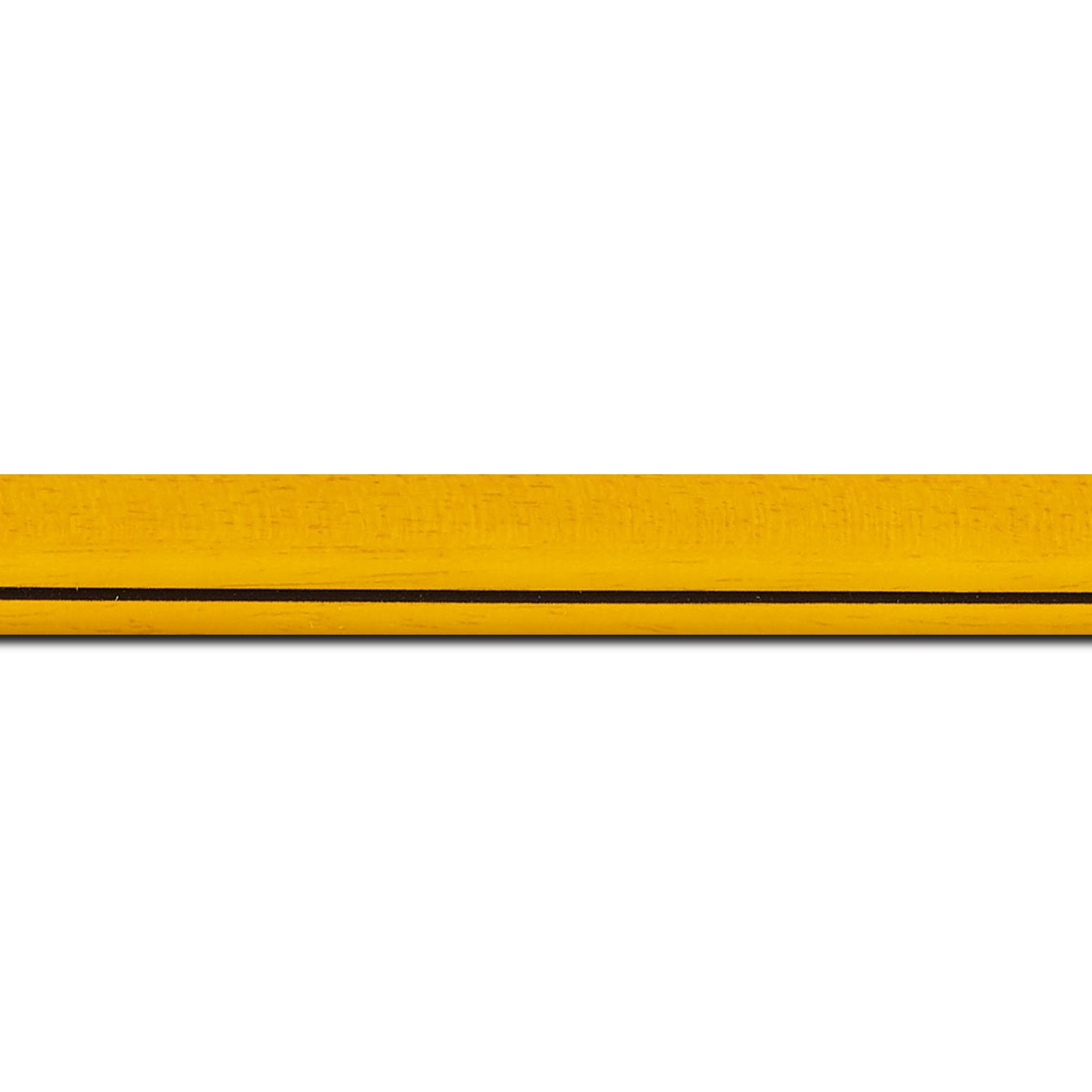 Pack par 12m, bois profil bombé largeur 2.4cm couleur jaune tournesol satiné filet noir(longueur baguette pouvant varier entre 2.40m et 3m selon arrivage des bois)