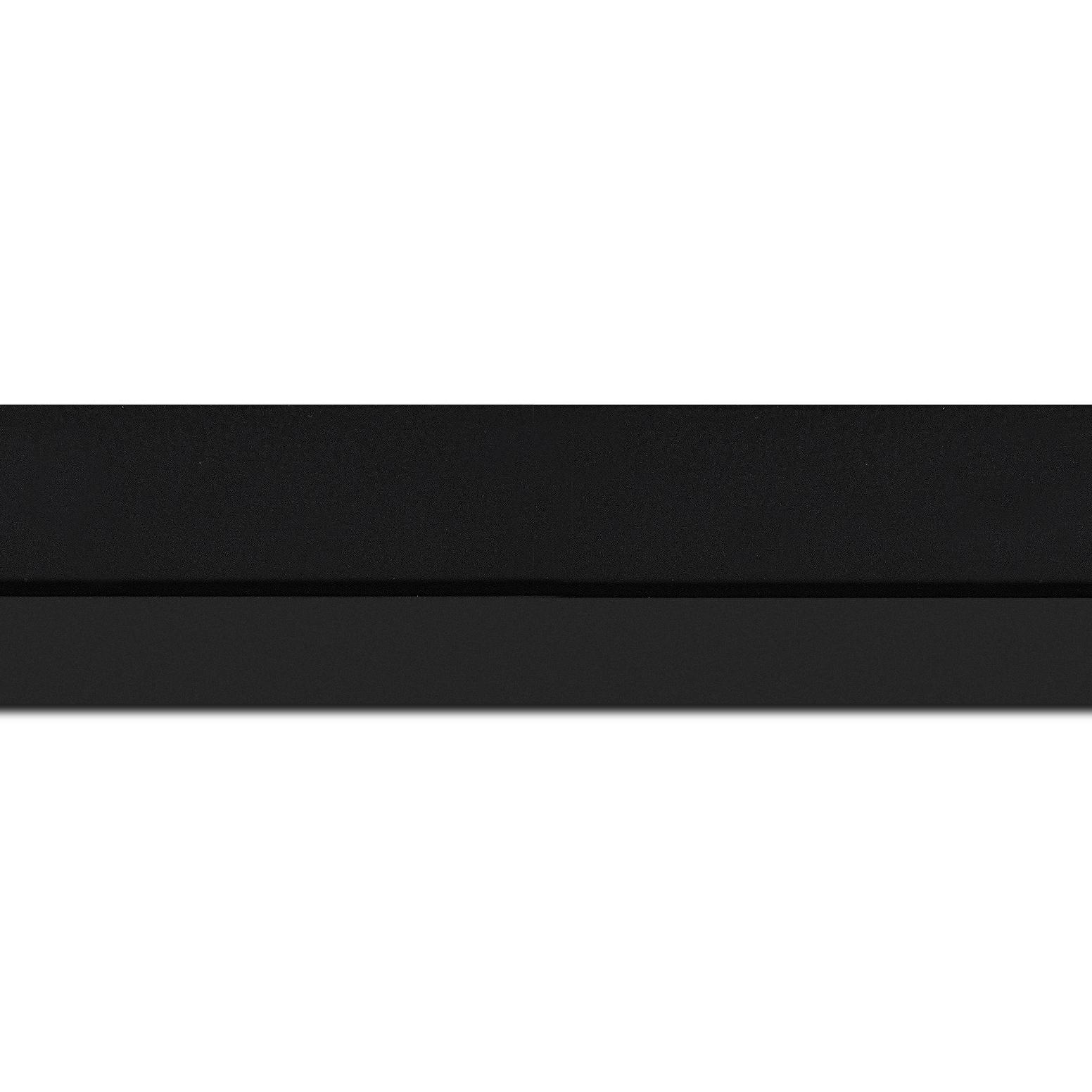 Baguette longueur 1.40m bois profil plat largeur 4.5cm couleur noir mat nez noir finition pore bouché