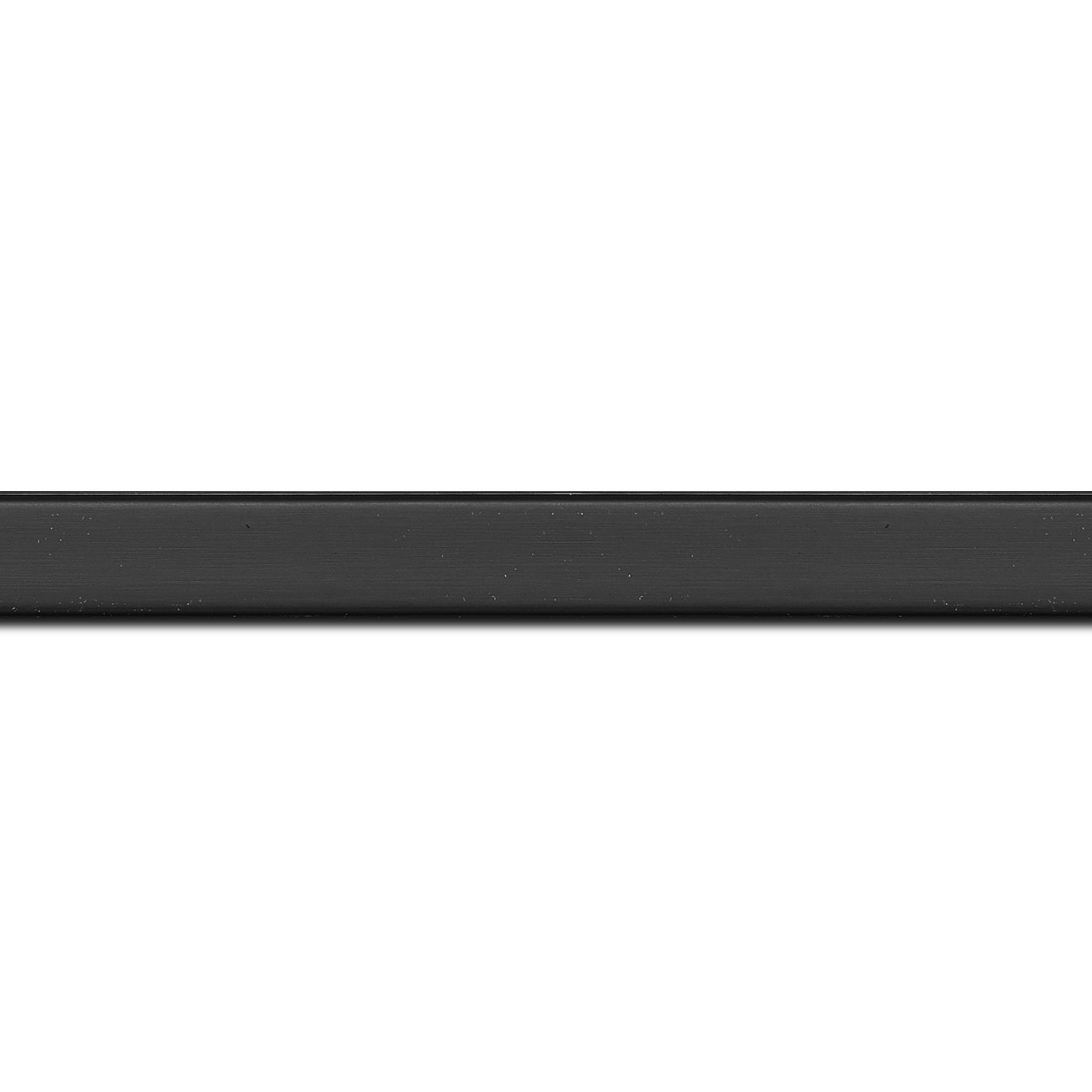 Baguette longueur 1.40m bois profil plat effet cube largeur 1.7cm couleur noir mat finition pore bouché