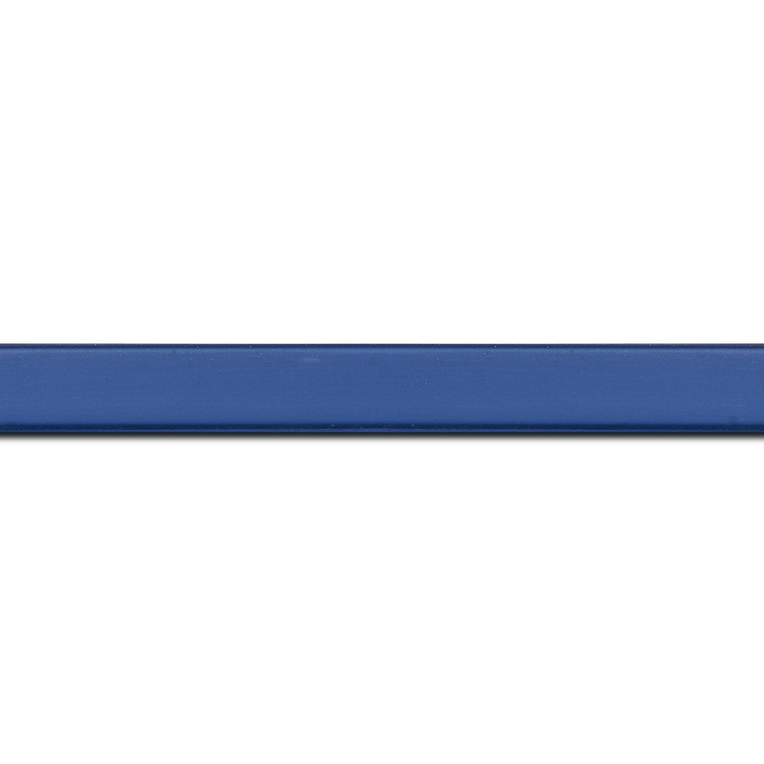 Baguette longueur 1.40m bois profil plat effet cube largeur 1.7cm couleur bleu grec satiné