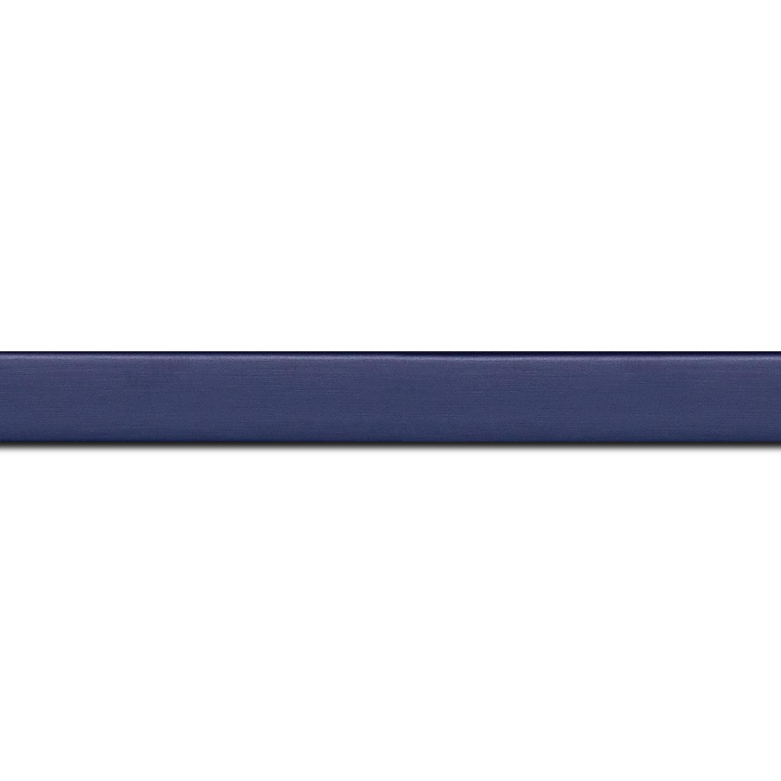 Pack par 12m, bois profil plat effet cube largeur 1.7cm couleur bleu nuit satiné (longueur baguette pouvant varier entre 2.40m et 3m selon arrivage des bois)