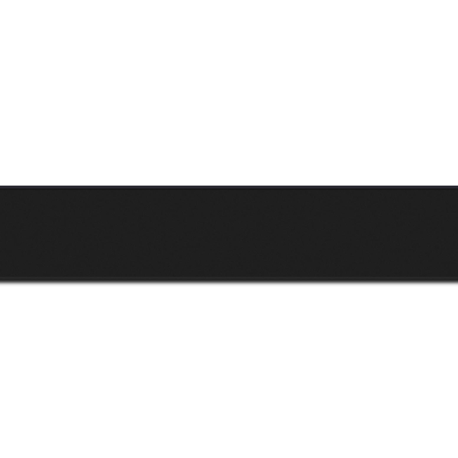 Pack par 12m, bois profil plat largeur 2.5cm hauteur 4.8cm couleur noir mat finition pore bouché (hauteur feuillure 4.3cm )(longueur baguette pouvant varier entre 2.40m et 3m selon arrivage des bois)