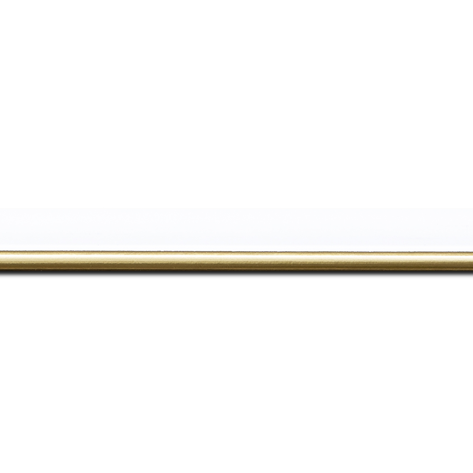 Baguette longueur 1.40m bois profil arrondi largeur 2.1cm couleur blanc mat filet or
