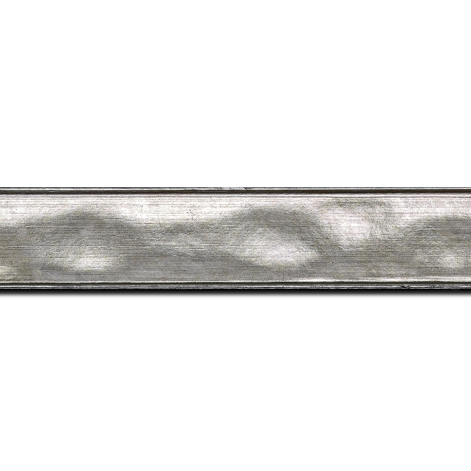 Pack par 12m, bois profil en pente bosselé largeur 3.3cm couleur argent (longueur baguette pouvant varier entre 2.40m et 3m selon arrivage des bois)