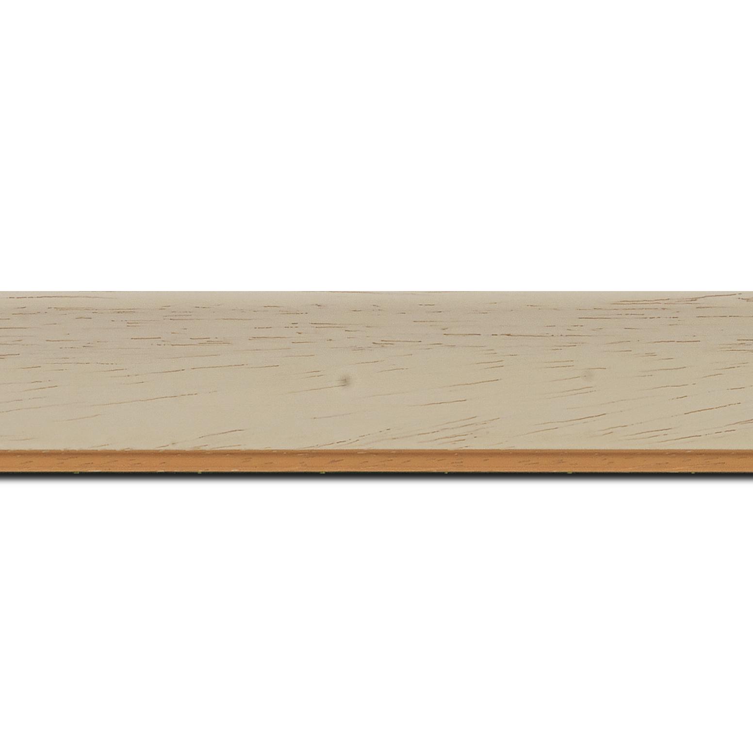 Pack par 12m, bois profil incurvé largeur 3.9cm couleur crème satiné filet or (longueur baguette pouvant varier entre 2.40m et 3m selon arrivage des bois)
