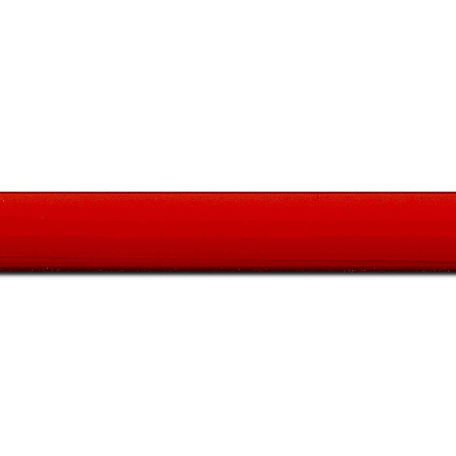 Baguette longueur 1.40m bois profil méplat largeur 2.3cm couleur rouge laqué