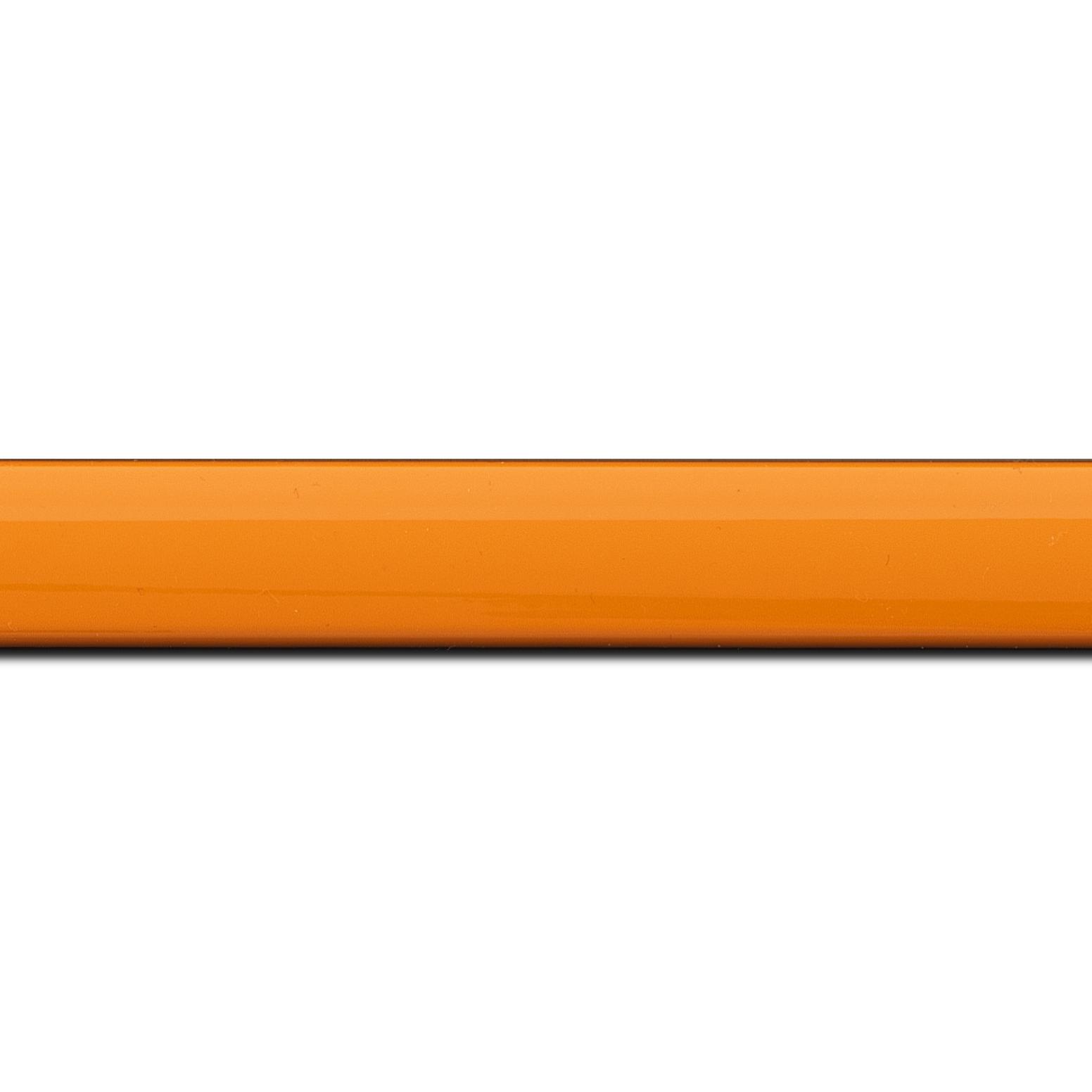 Pack par 12m, bois profil méplat largeur 2.3cm couleur orange laqué (longueur baguette pouvant varier entre 2.40m et 3m selon arrivage des bois)