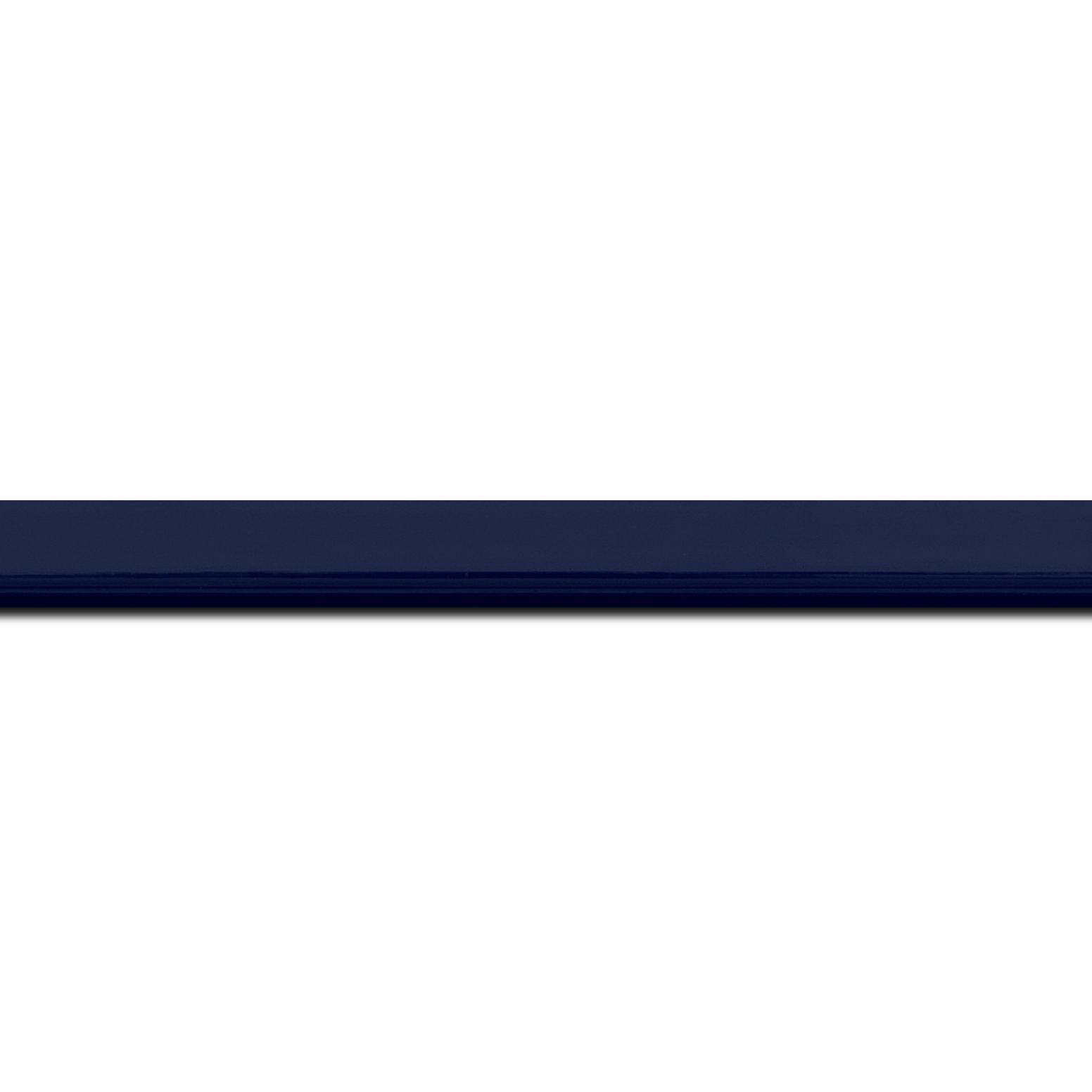 Pack par 12m, bois profil méplat largeur 1.4cm couleur bleu nuit foncé laqué (longueur baguette pouvant varier entre 2.40m et 3m selon arrivage des bois)