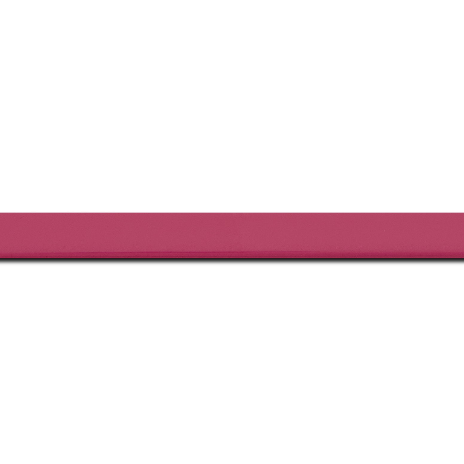 Pack par 12m, bois profil méplat largeur 1.4cm couleur rose tonique laqué (longueur baguette pouvant varier entre 2.40m et 3m selon arrivage des bois)