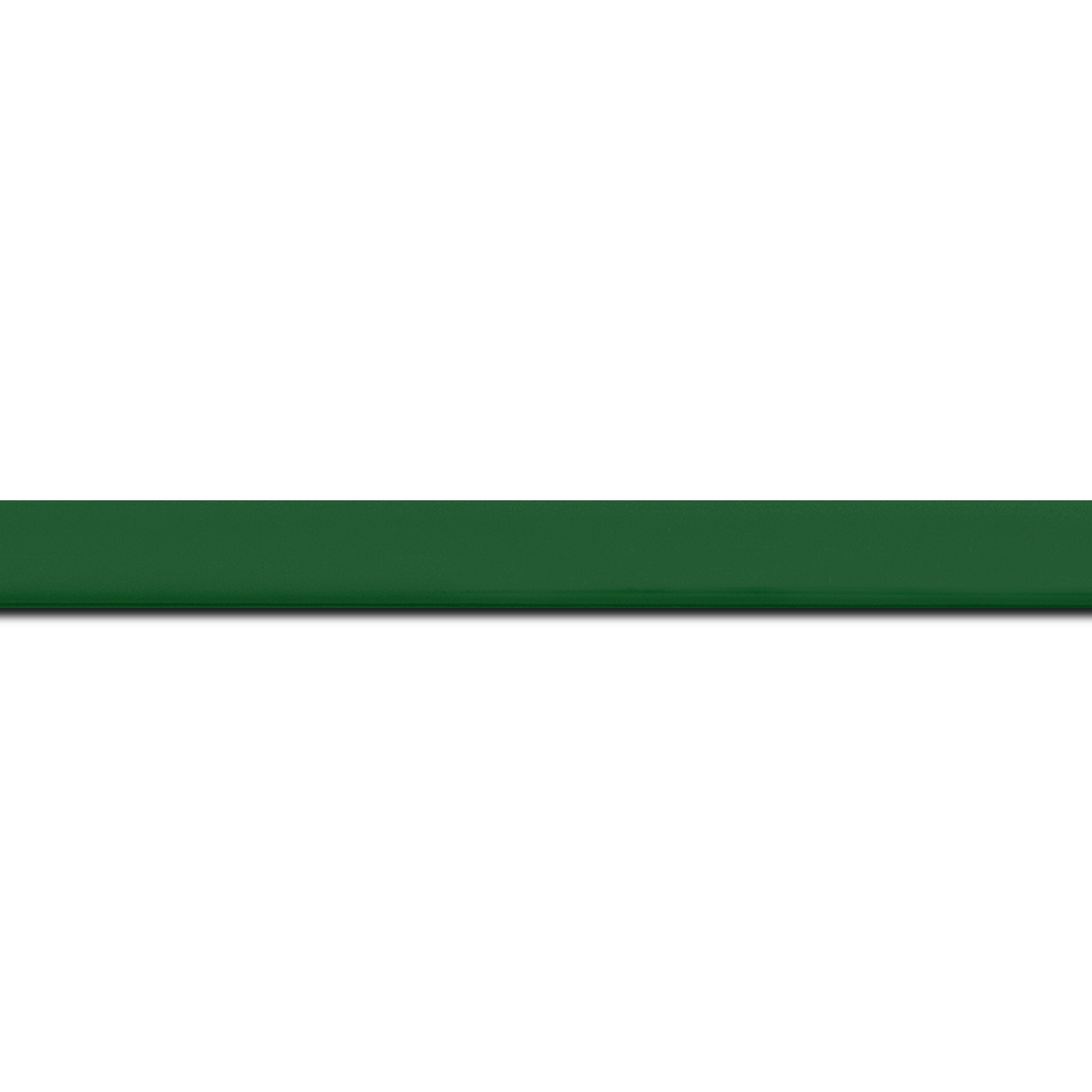 Pack par 12m, bois profil méplat largeur 1.4cm couleur vert anglais laqué (longueur baguette pouvant varier entre 2.40m et 3m selon arrivage des bois)
