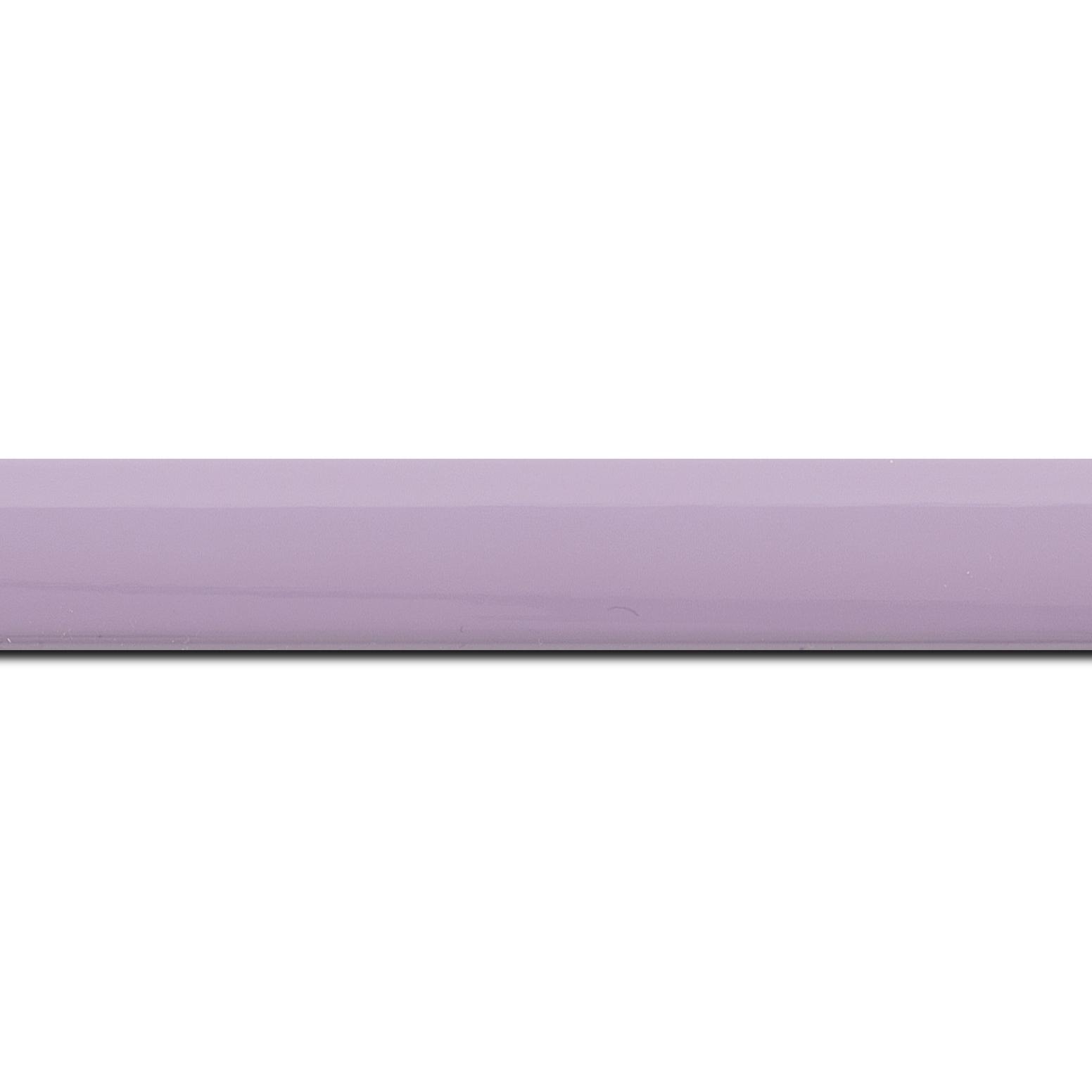 Pack par 12m, bois profil méplat largeur 2.3cm couleur violine laqué (longueur baguette pouvant varier entre 2.40m et 3m selon arrivage des bois)