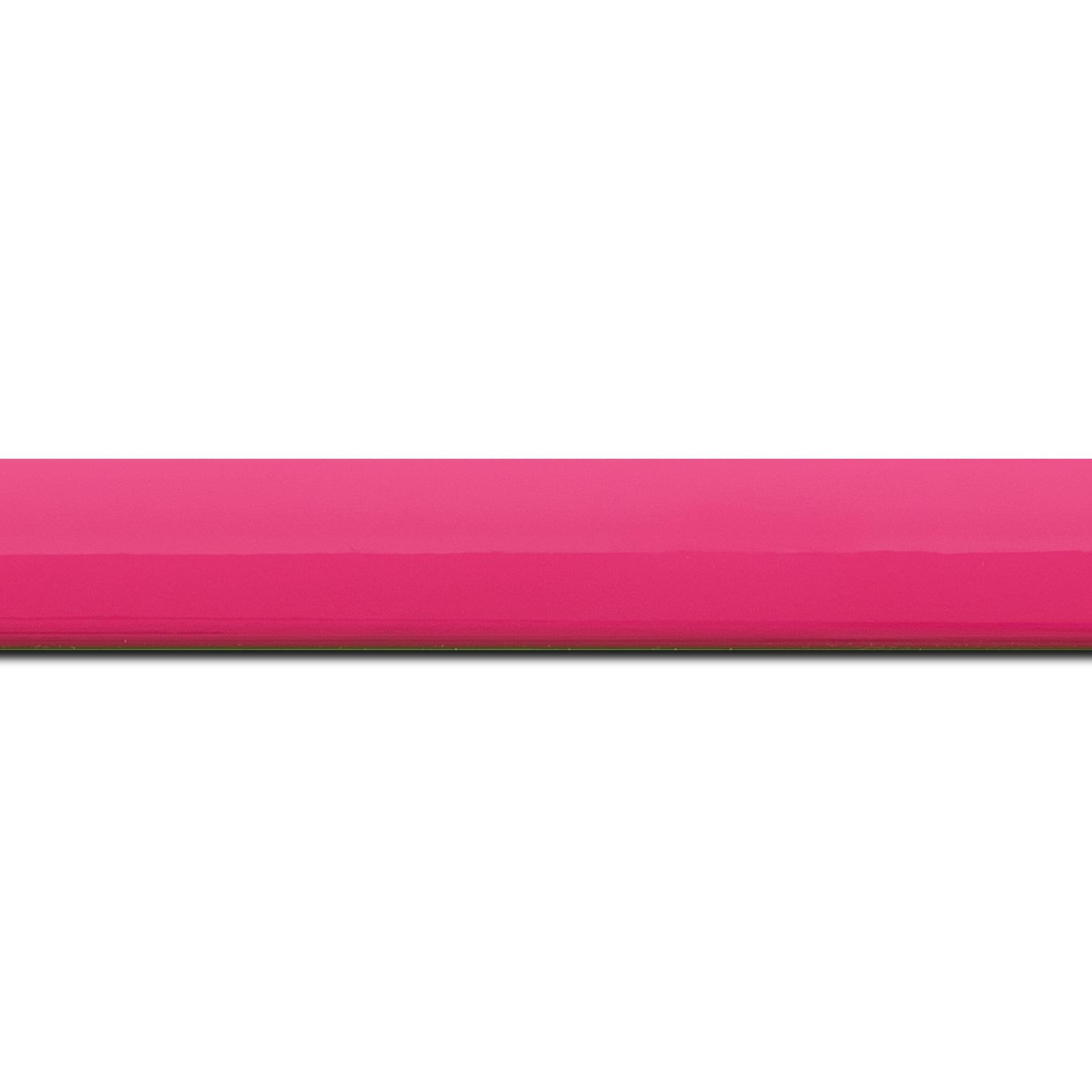 Pack par 12m, bois profil méplat largeur 2.3cm couleur rose tonique laqué (longueur baguette pouvant varier entre 2.40m et 3m selon arrivage des bois)