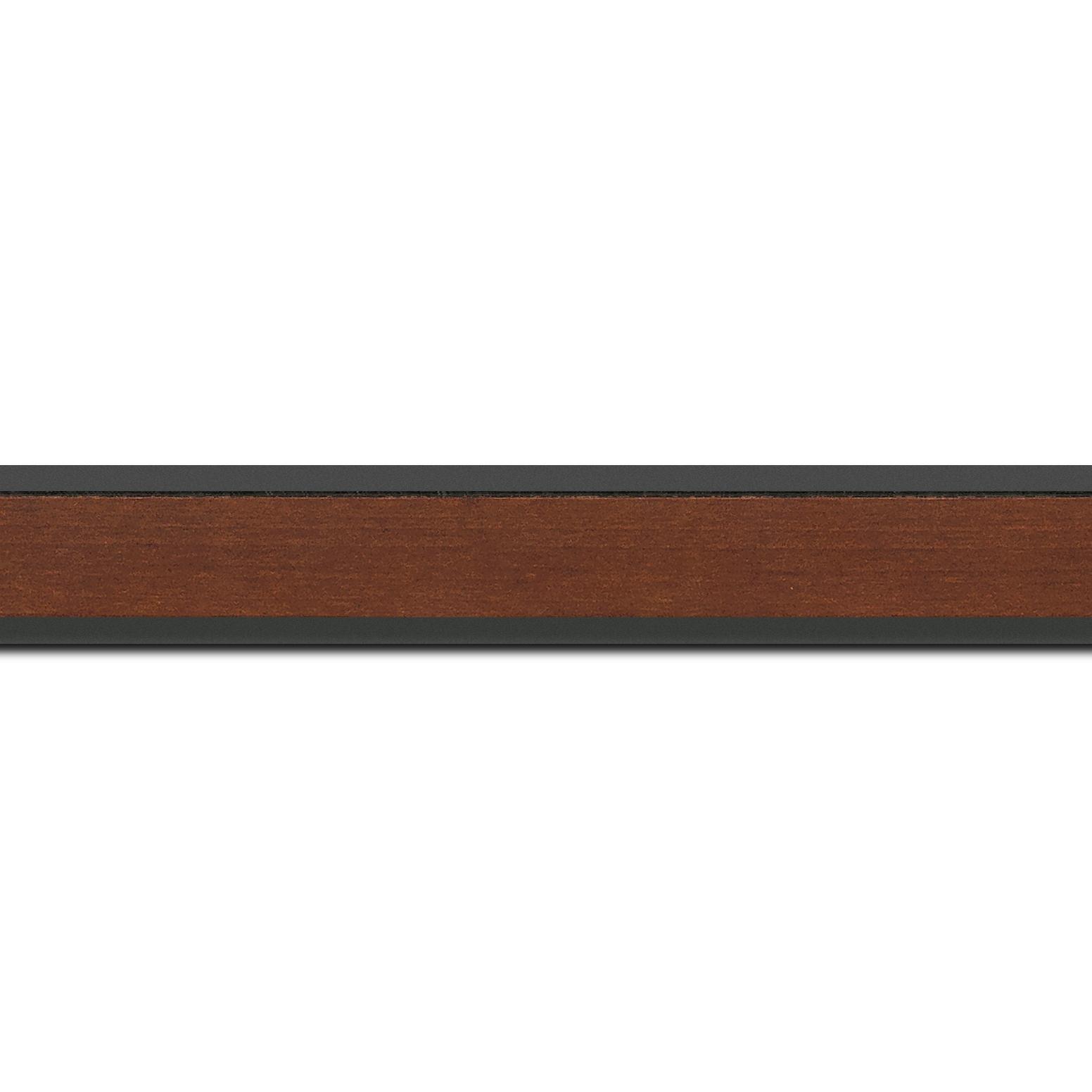 Pack par 12m, bois essence marupa profil plat largeur 2.5cm plaquage érable teinté marron foncé,  filet intérieur et extérieur gris foncé (longueur baguette pouvant varier entre 2.40m et 3m selon arrivage des bois)