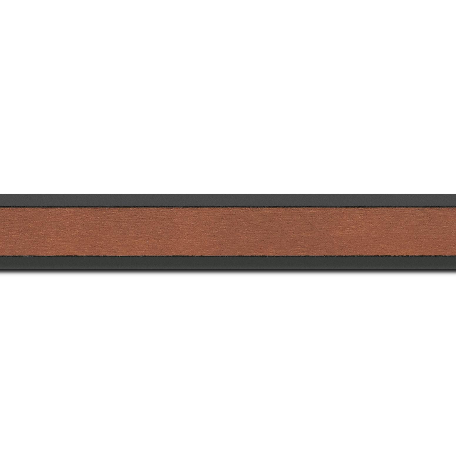 Pack par 12m, bois essence marupa profil plat largeur 2.5cm plaquage érable teinté marron clair,  filet intérieur et extérieur gris foncé (longueur baguette pouvant varier entre 2.40m et 3m selon arrivage des bois)