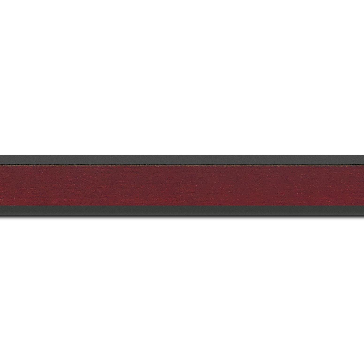Pack par 12m, bois essence marupa profil plat largeur 2.5cm plaquage érable teinté bordeaux,  filet intérieur et extérieur gris foncé (longueur baguette pouvant varier entre 2.40m et 3m selon arrivage des bois)