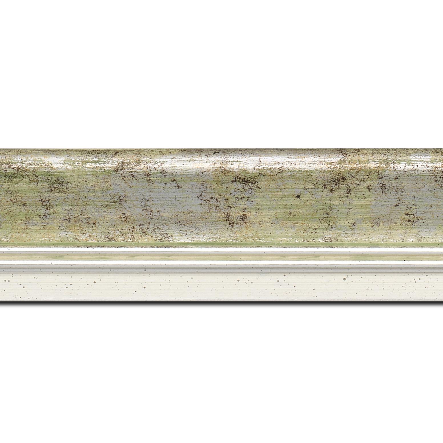 Pack par 12m, bois profil incurvé largeur 5.7cm de couleur vert fond argent marie louise blanche mouchetée filet argent intégré(longueur baguette pouvant varier entre 2.40m et 3m selon arrivage des bois)
