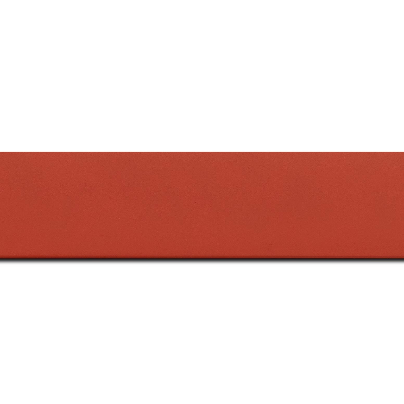 Pack par 12m, bois profil plat largeur 3.9cm couleur rouge mat (longueur baguette pouvant varier entre 2.40m et 3m selon arrivage des bois)