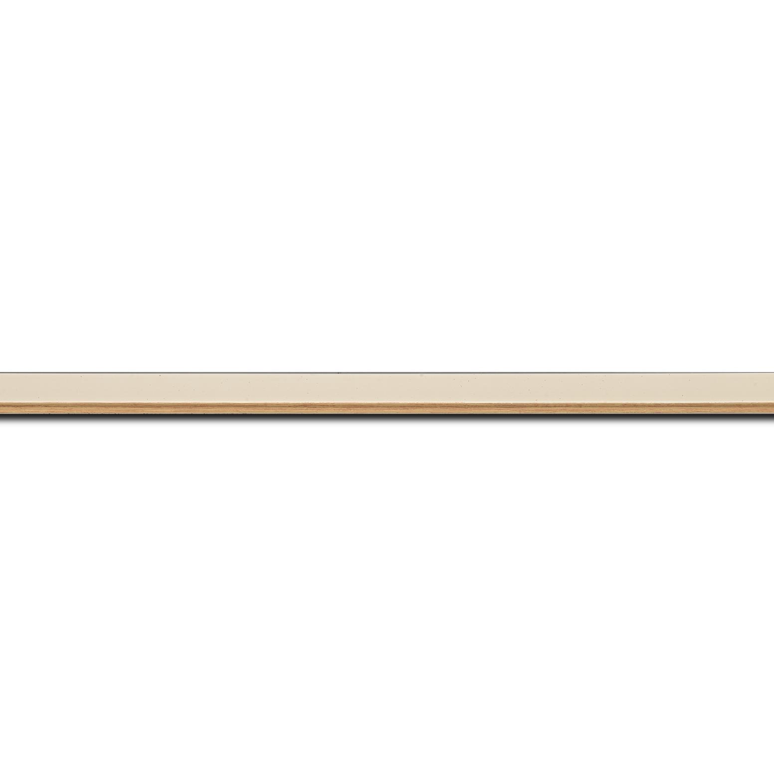 Baguette longueur 1.40m bois profil plat largeur 3,1cm couleur coquille d'œuf filet or