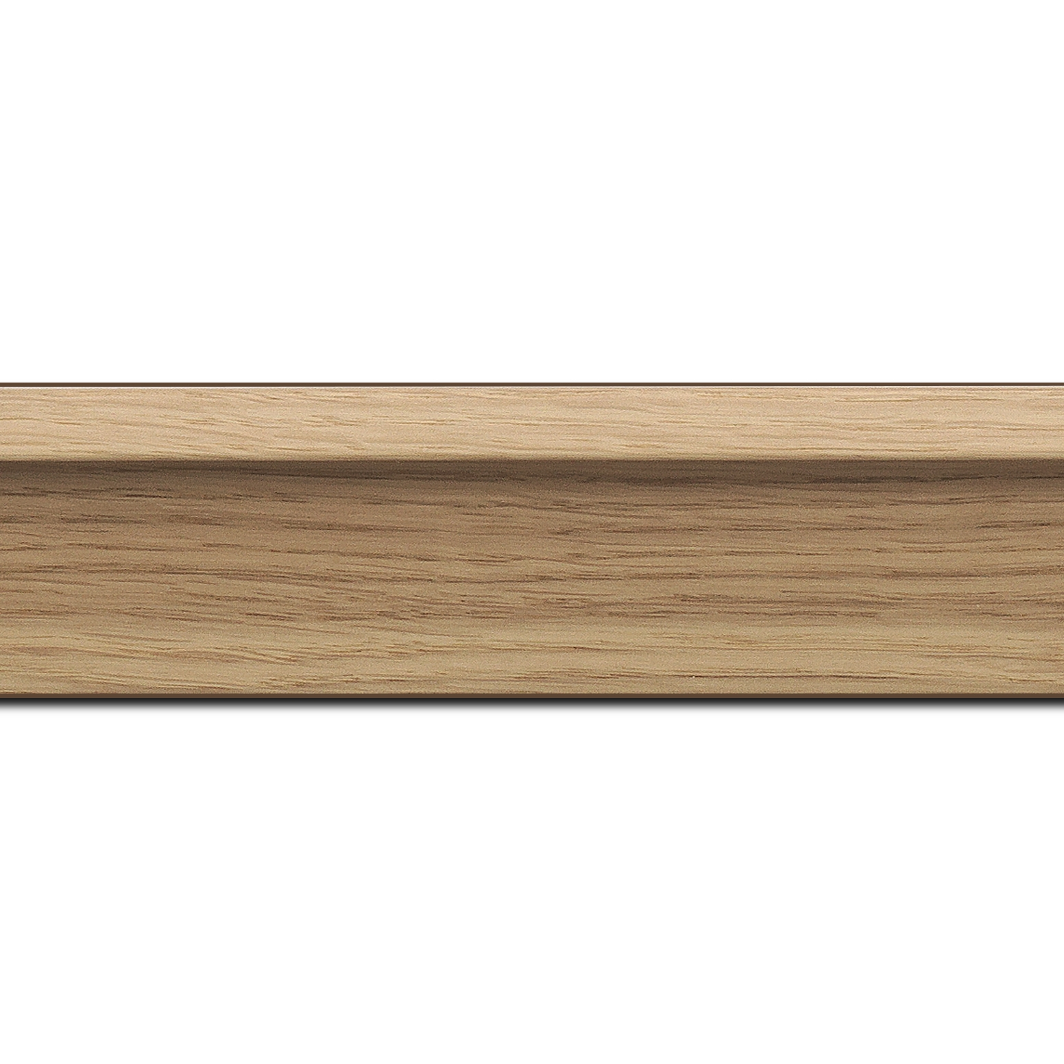 Baguette longueur 1.40m bois caisse américaine profil en l largeur 4.5cm placage haut de gamme chêne naturel (spécialement conçu pour les châssis d'une épaisseur jusqu'à 3.5cm ) information complémentaire : il faut renseigner la dimension précise de votre sujet  et l'espace intérieur entre la toile et le cadre sera de 1.5cm