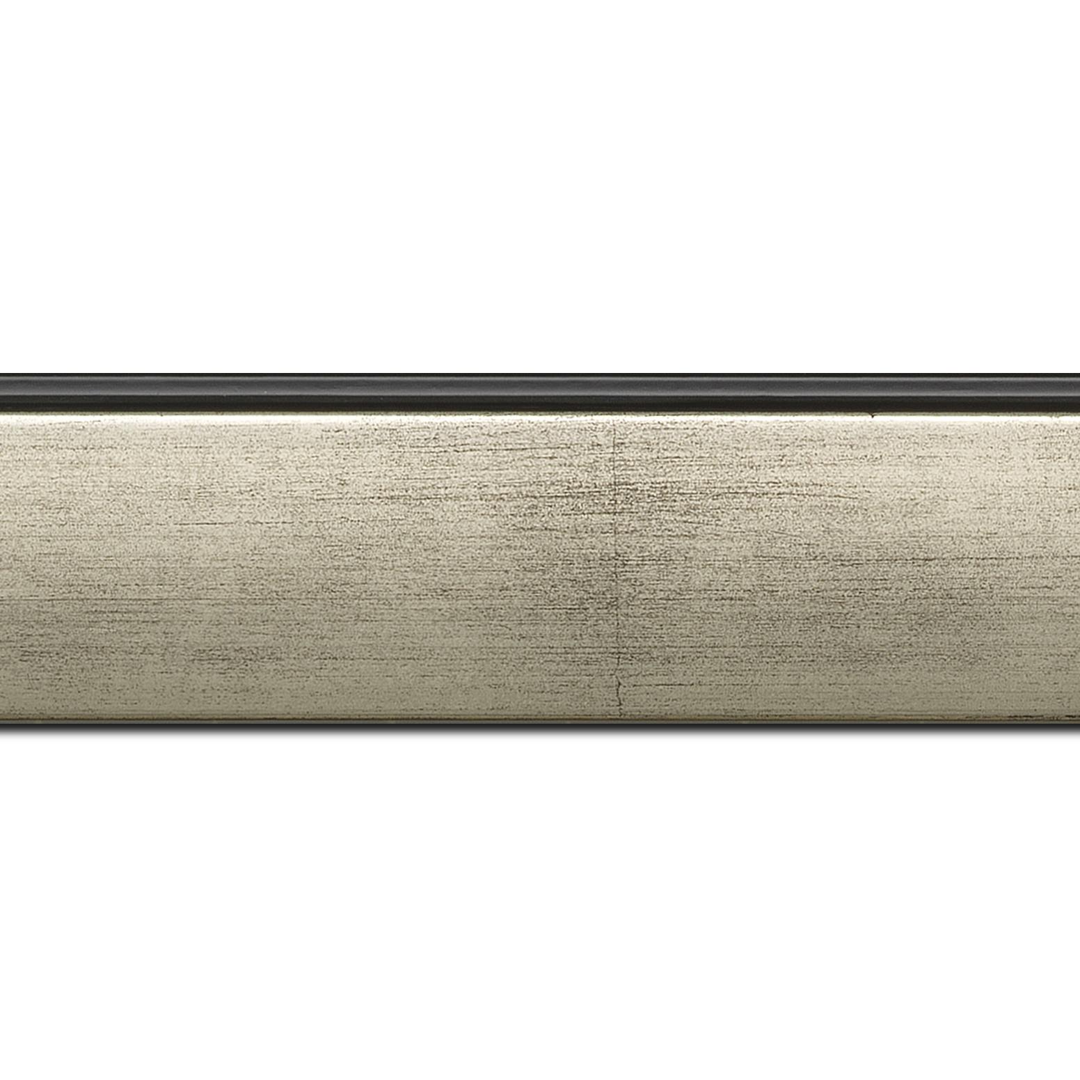 Baguette longueur 1.40m bois profil en pente méplat largeur 4.8cm argent satiné surligné par une gorge extérieure noire : originalité et élégance assurée