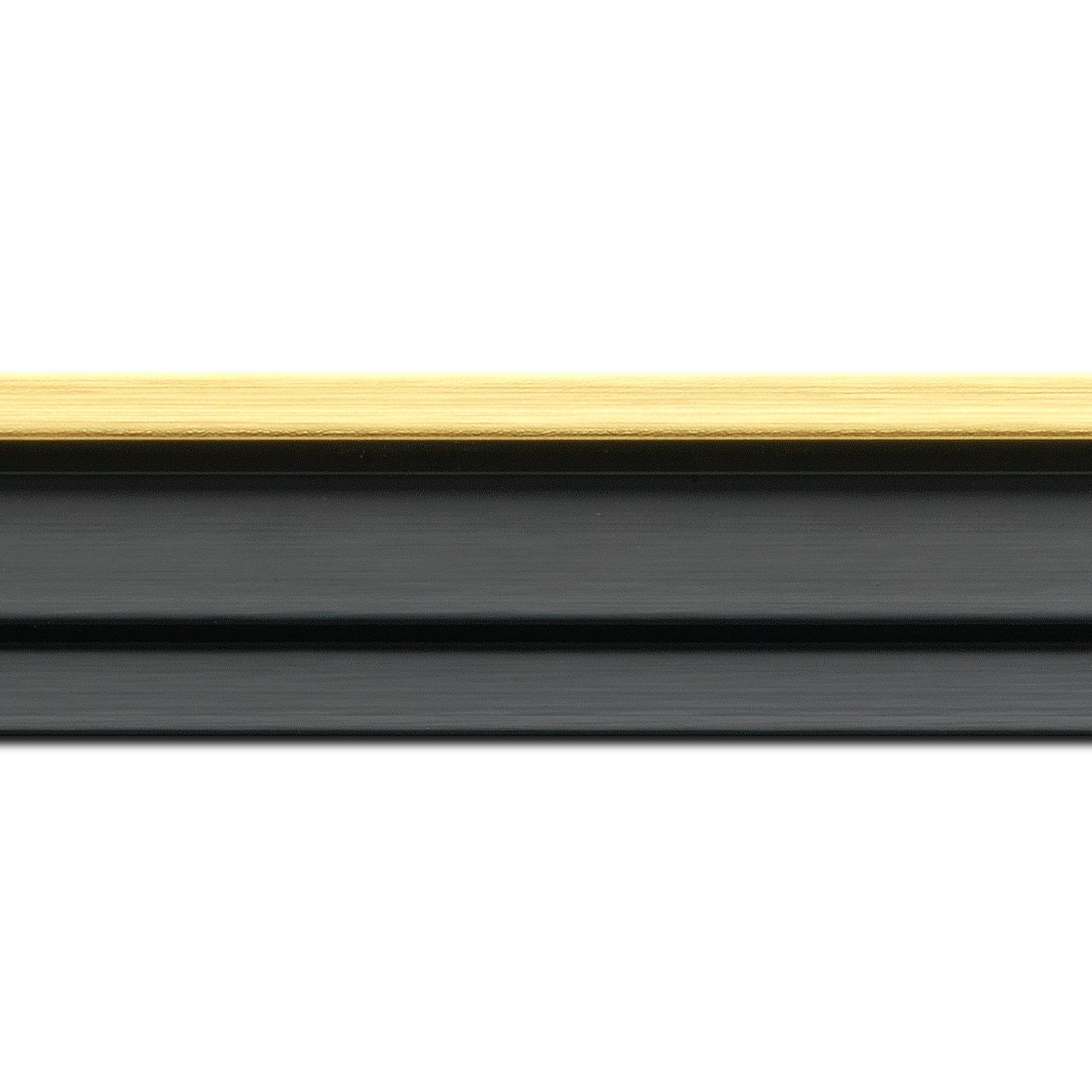 Pack par 12m, bois caisse américaine profil escalier largeur 4.4cm noir mat  filet or (spécialement conçu pour les châssis d'une épaisseur jusqu'à 2.5cm )(longueur baguette pouvant varier entre 2.40m et 3m selon arrivage des bois)