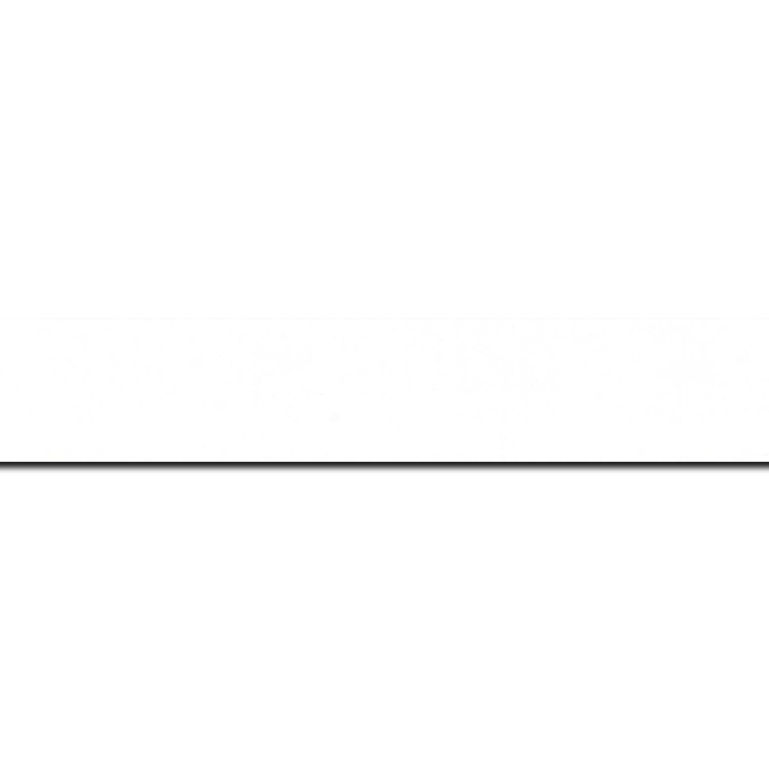 Pack par 12m, bois profil plat largeur 3cm couleur blanc mat finition pore bouché effet cube (le sujet qui sera glissé dans le cadre sera en retrait de la face du cadre de 1.4cm assurant un effet très contemporain) (longueur baguette pouvant varier entre 2.40m et 3m selon arrivage des bois)