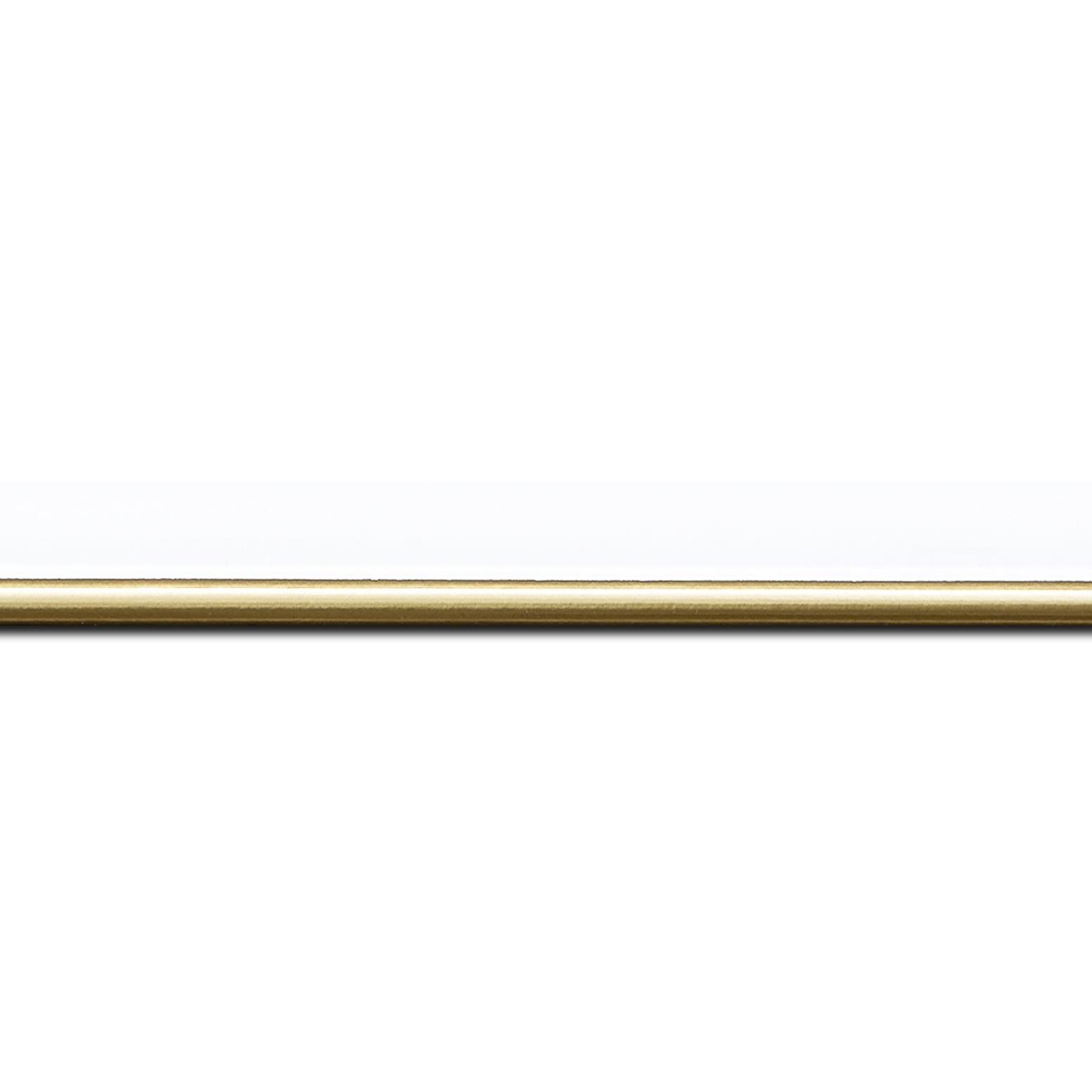 Pack par 12m, bois profil arrondi largeur 2.1cm couleur blanc mat filet or (longueur baguette pouvant varier entre 2.40m et 3m selon arrivage des bois)