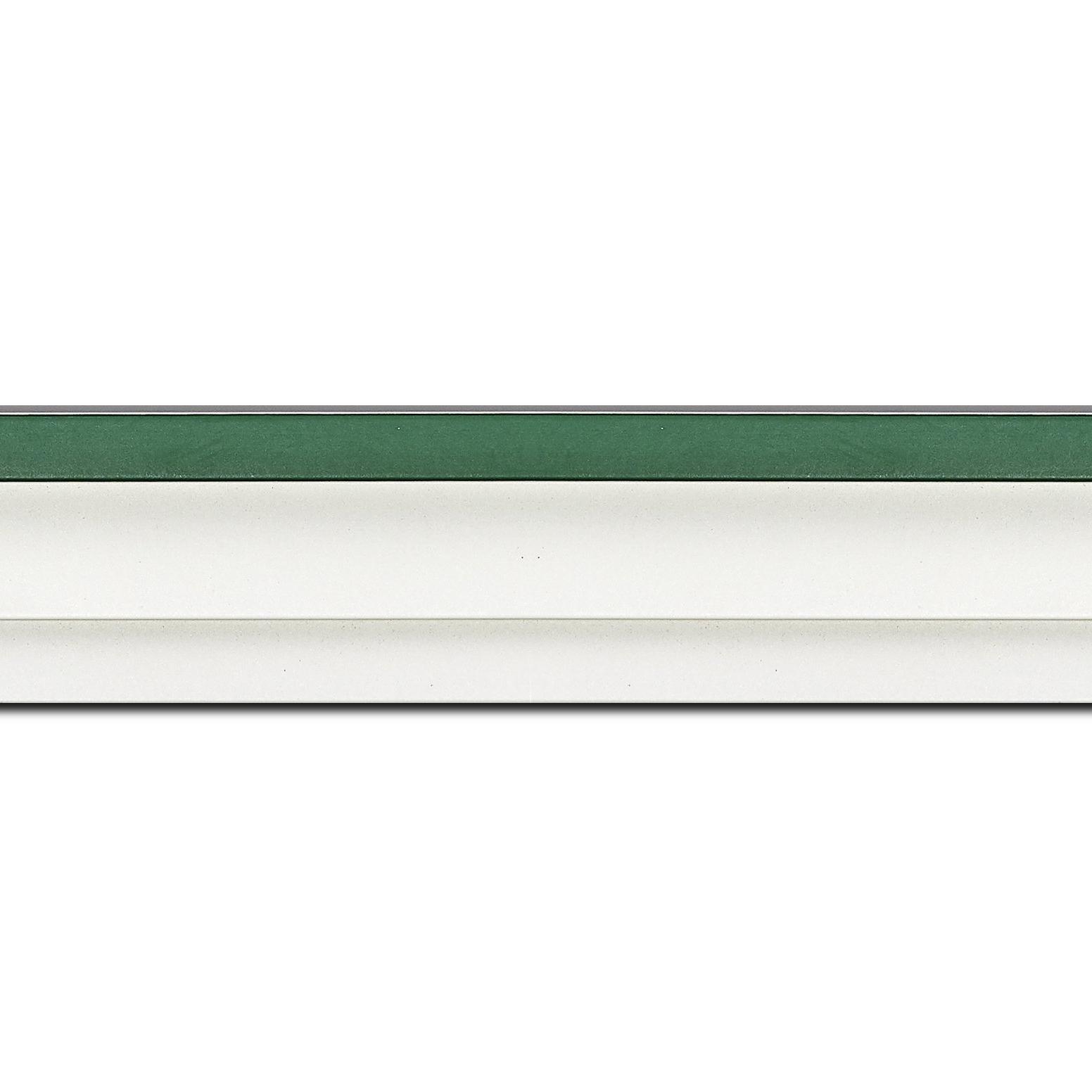 Baguette longueur 1.40m bois caisse américaine profil escalier largeur 4.4cm blanc mat filet vert (spécialement conçu pour les châssis d'une épaisseur jusqu'à 2.5cm )