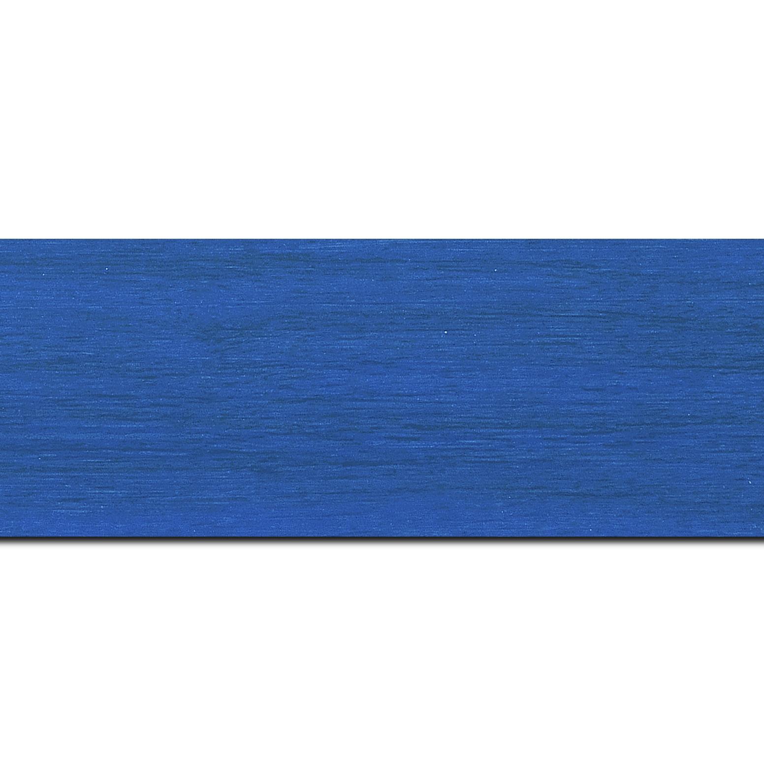 Baguette longueur 1.40m bois profil plat largeur 6cm bleu roi satiné effet veiné ,chant extérieur du cadre de couleur noire