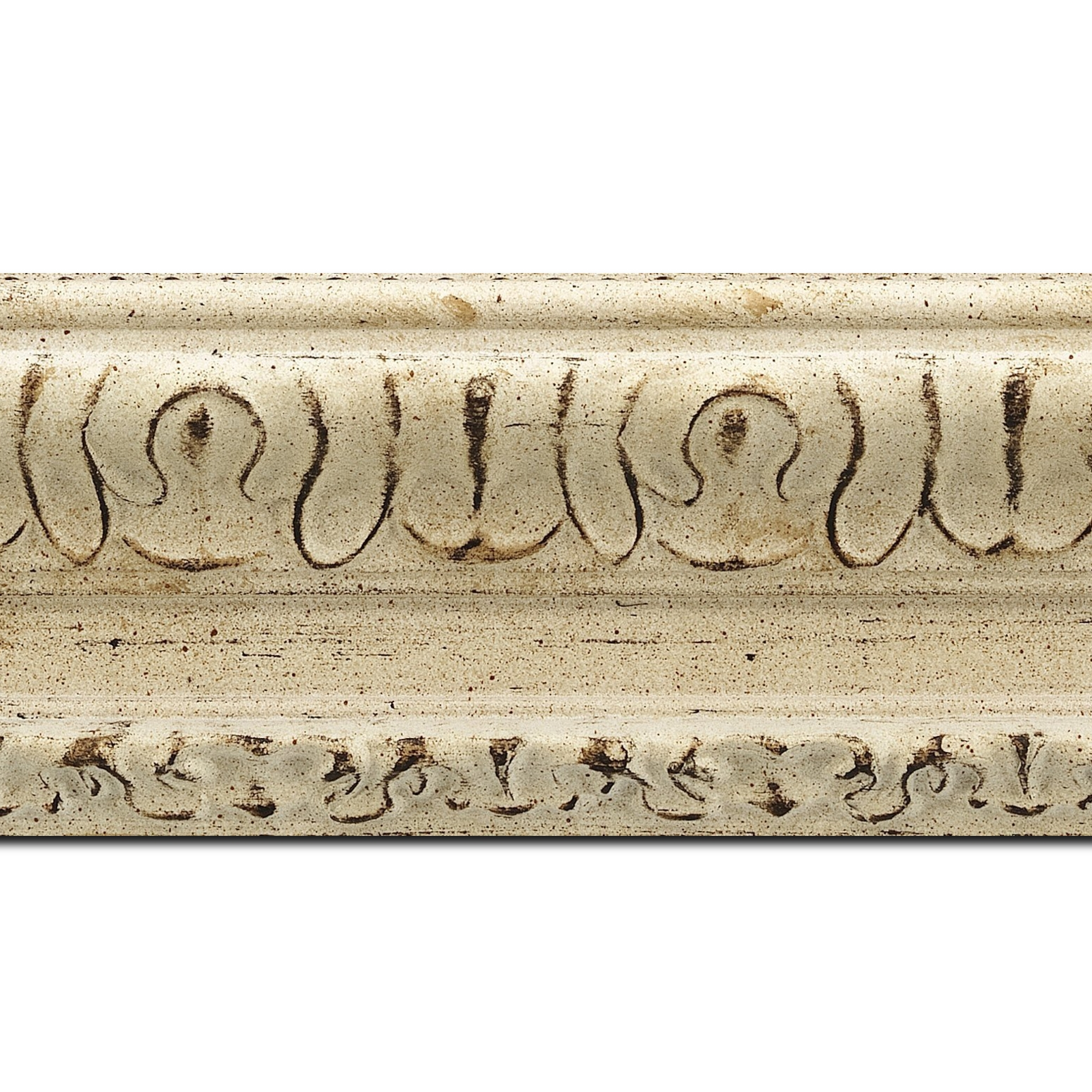 Baguette longueur 1.40m bois profil incurvé largeur 8cm blanchie finition antiquaire