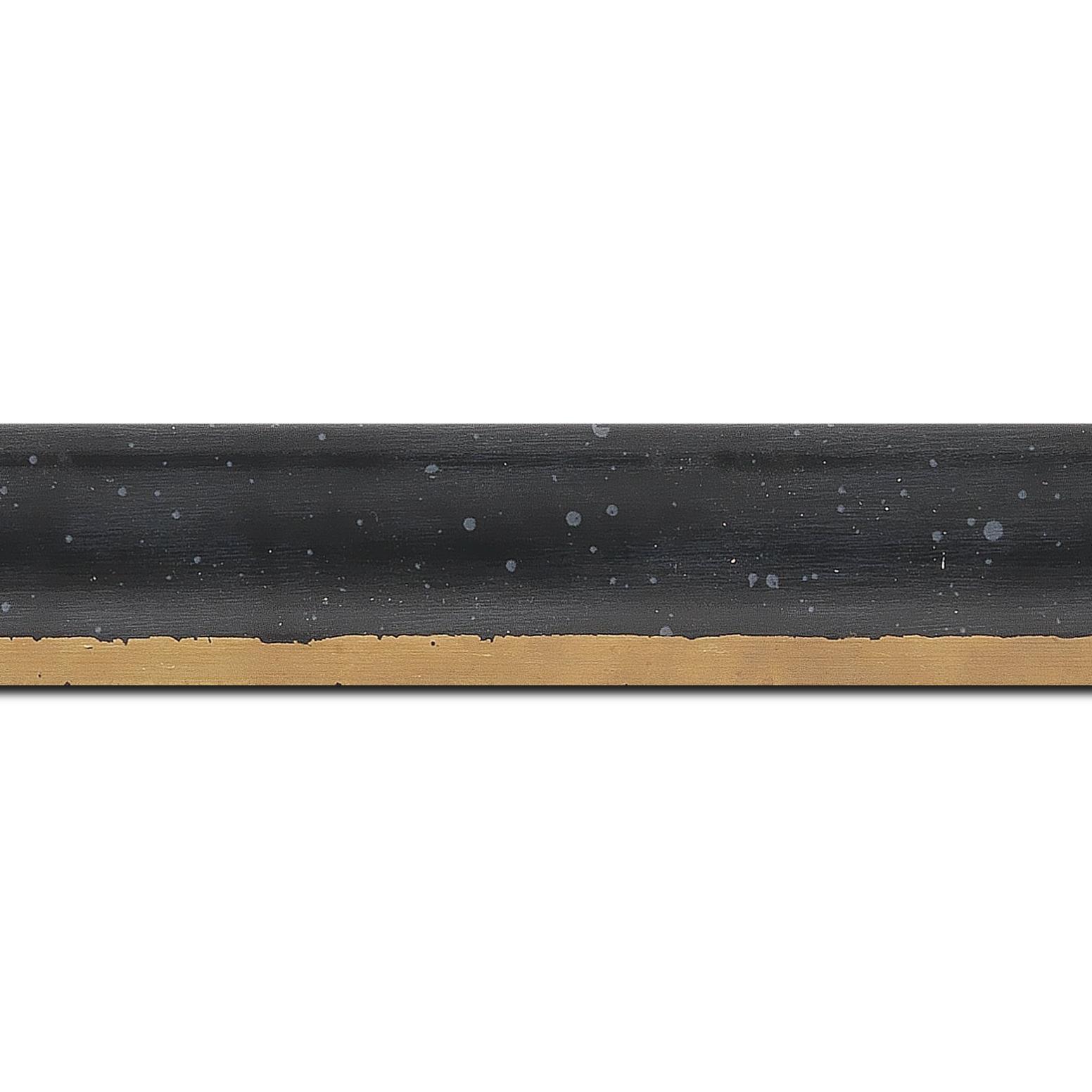 Pack par 12m, bois profil incurvé largeur 3.9cm noir tamisé filet or(longueur baguette pouvant varier entre 2.40m et 3m selon arrivage des bois)