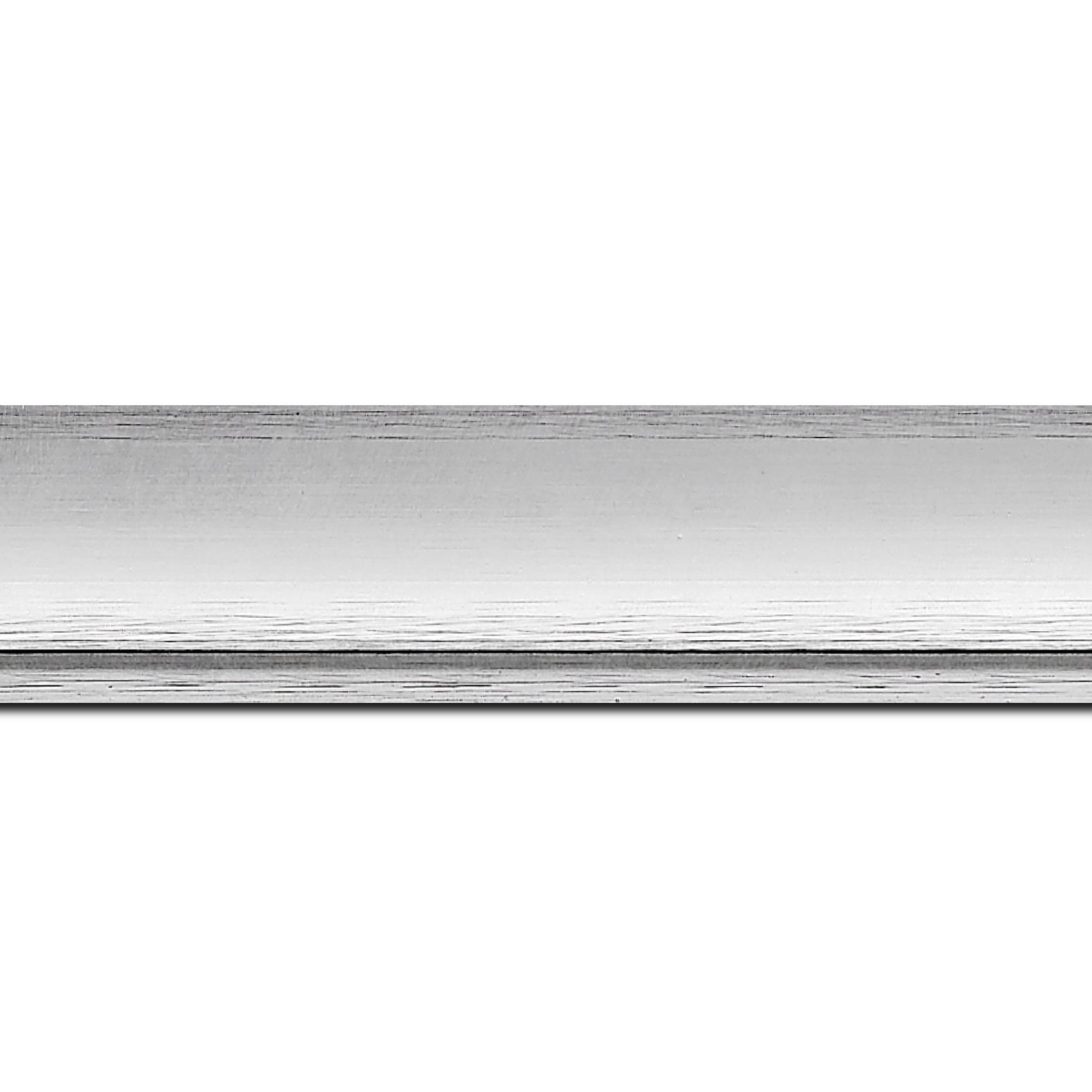 Pack par 12m, bois profil incurvé largeur 4.2cm couleur argent froid  effet givré (longueur baguette pouvant varier entre 2.40m et 3m selon arrivage des bois)