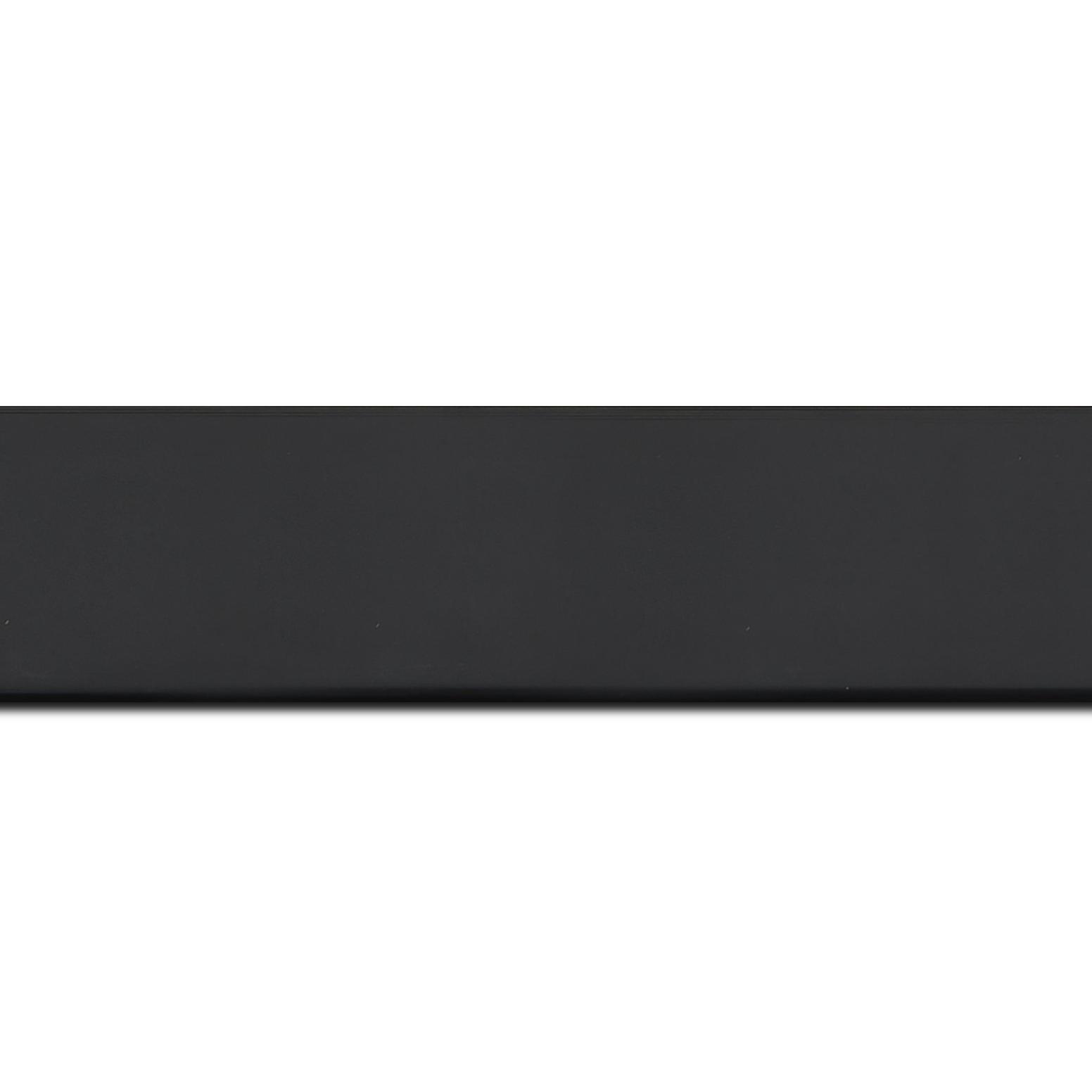 Baguette longueur 1.40m bois profil plat largeur 4.1cm couleur noir mat finition pore bouché