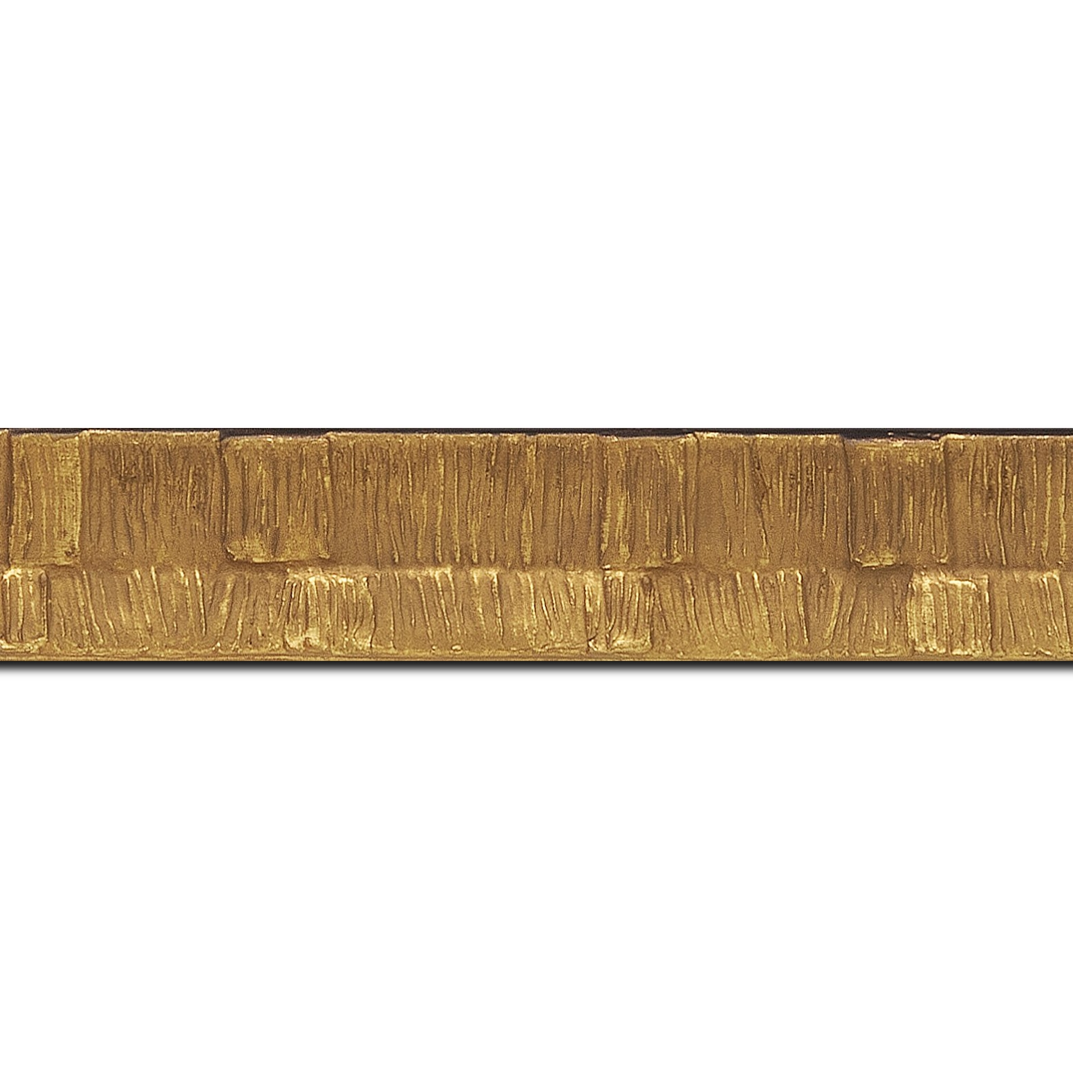 Pack par 12m, bois profil incurvé largeur 3cm  couleur or finition ethnique (longueur baguette pouvant varier entre 2.40m et 3m selon arrivage des bois)