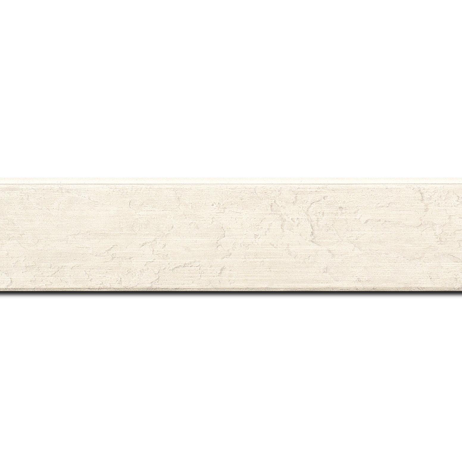 Pack par 12m, bois profil plat incliné largeur 3.7cm couleur blanc effet ressuyé (longueur baguette pouvant varier entre 2.40m et 3m selon arrivage des bois)