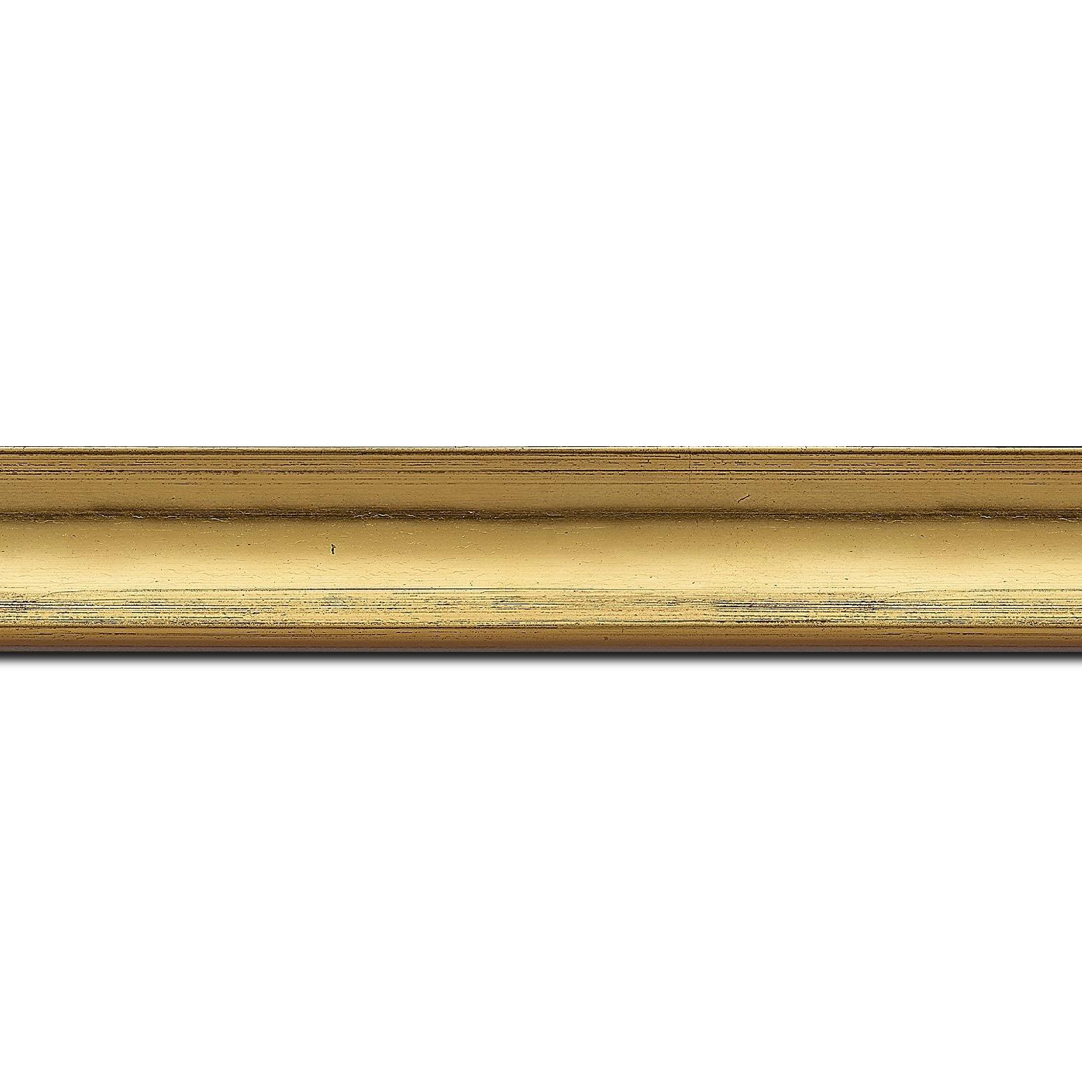 Pack par 12m, bois profil concave largeur 3cm couleur or coté extérieur foncé. finition haut de gamme car dorure à l'eau fait main (longueur baguette pouvant varier entre 2.40m et 3m selon arrivage des bois)