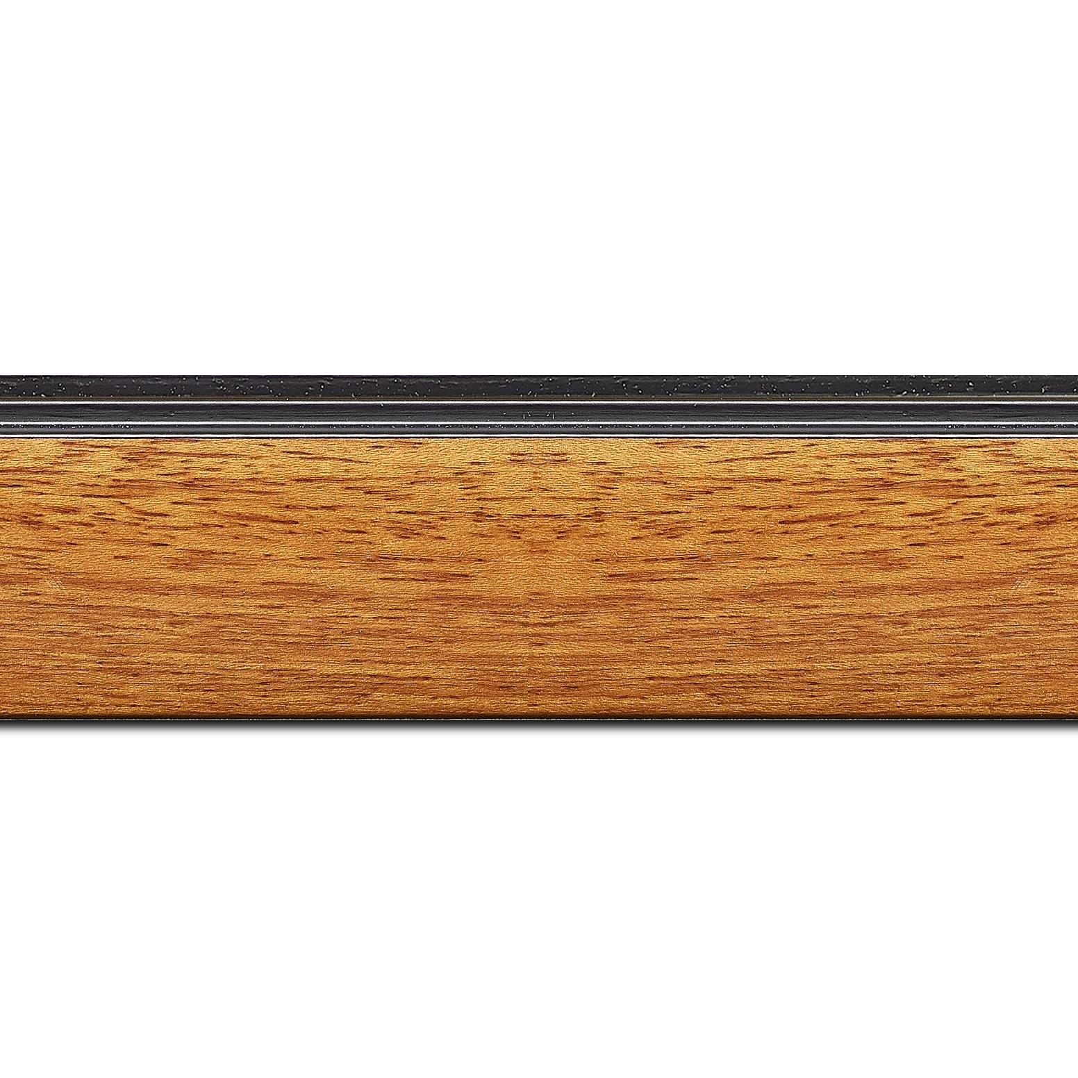 Baguette longueur 1.40m bois profil en pente méplat largeur 4.8cm couleur merisier satiné surligné par une gorge extérieure noire : originalité et élégance assurée