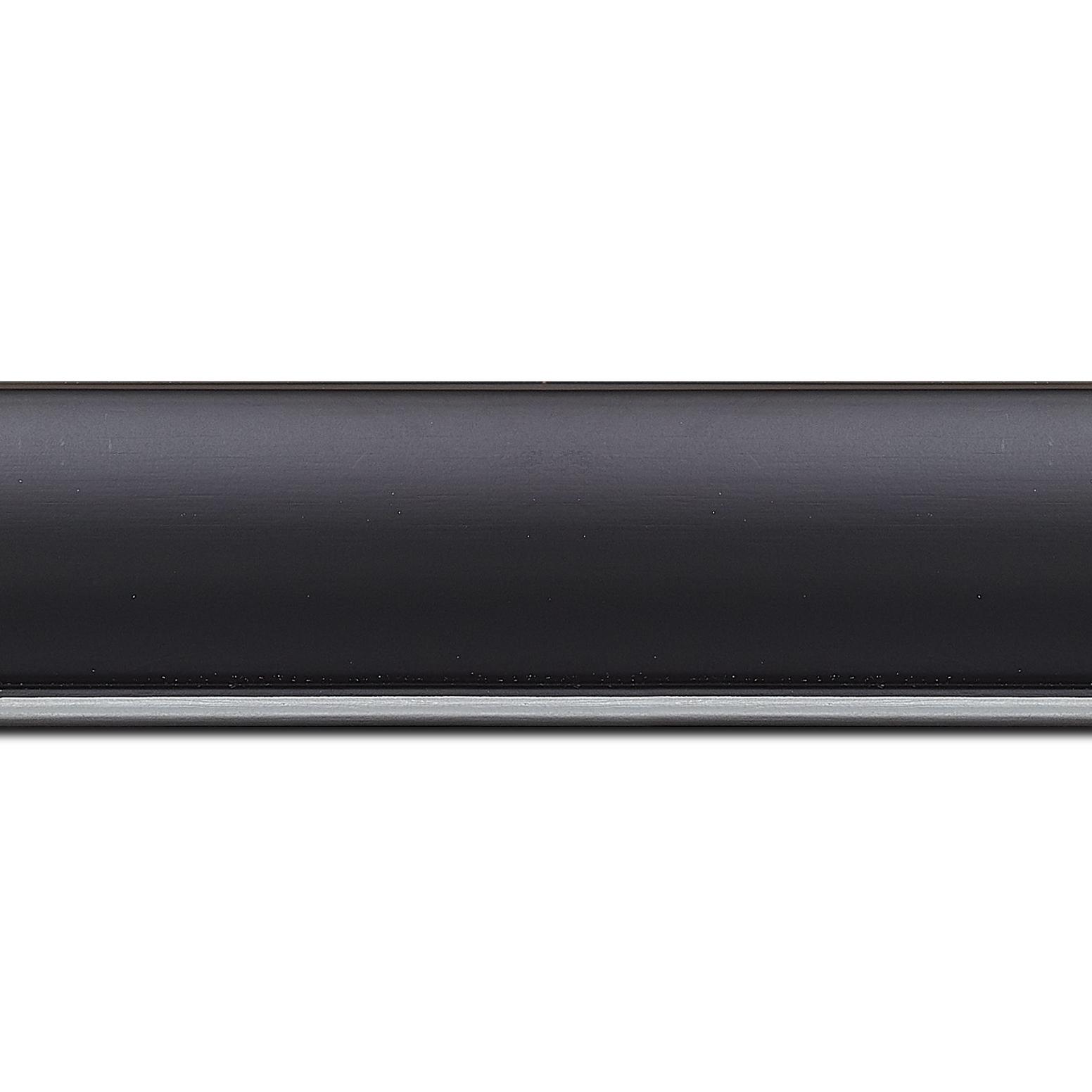 Pack par 12m, bois profil arrondi largeur 4.7cm couleur noir mat finition pore bouché filet argent mat contemporain(longueur baguette pouvant varier entre 2.40m et 3m selon arrivage des bois)