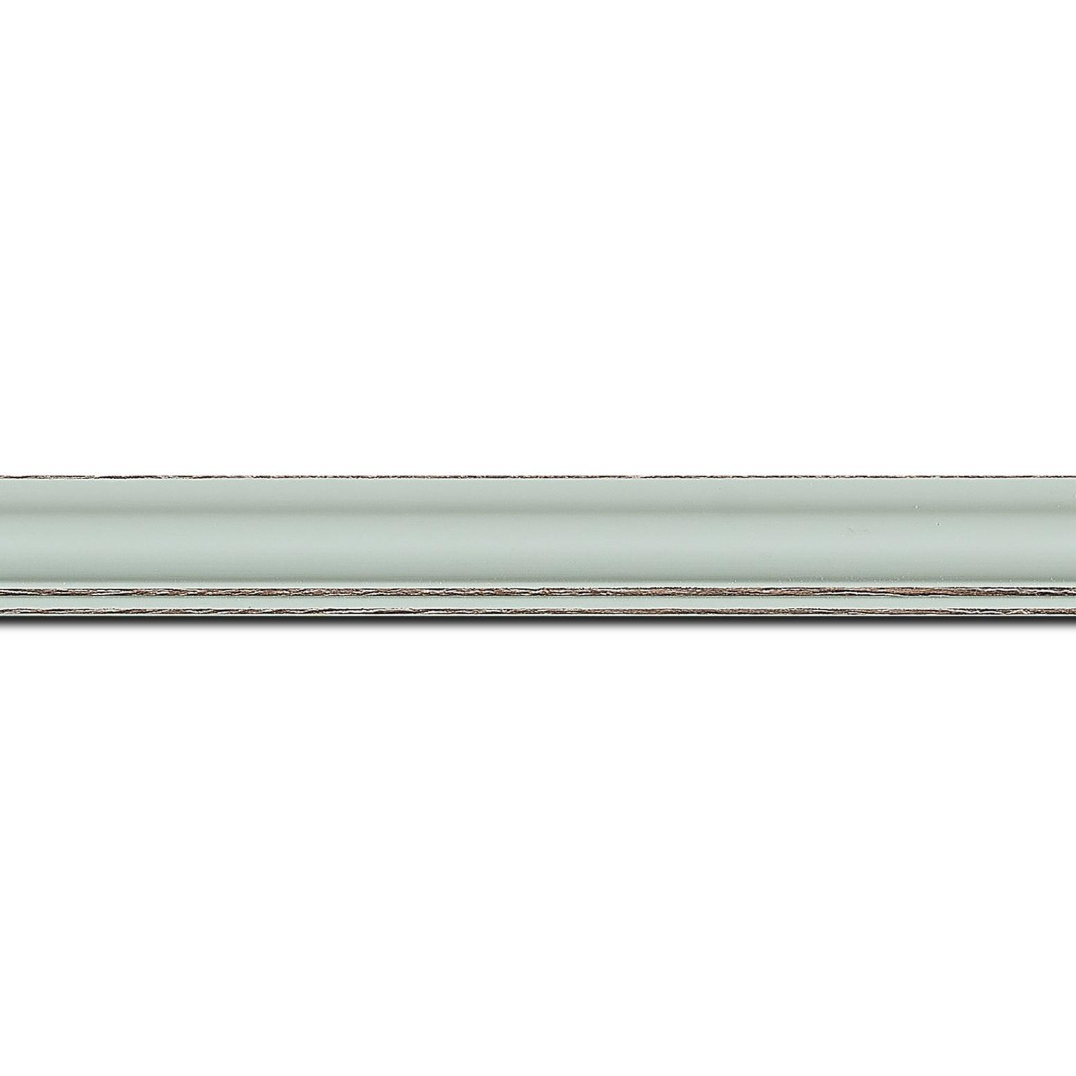Pack par 12m, bois profil doucine inversée largeur 2.3cm bleu tendre satiné bord ressuyé(longueur baguette pouvant varier entre 2.40m et 3m selon arrivage des bois)