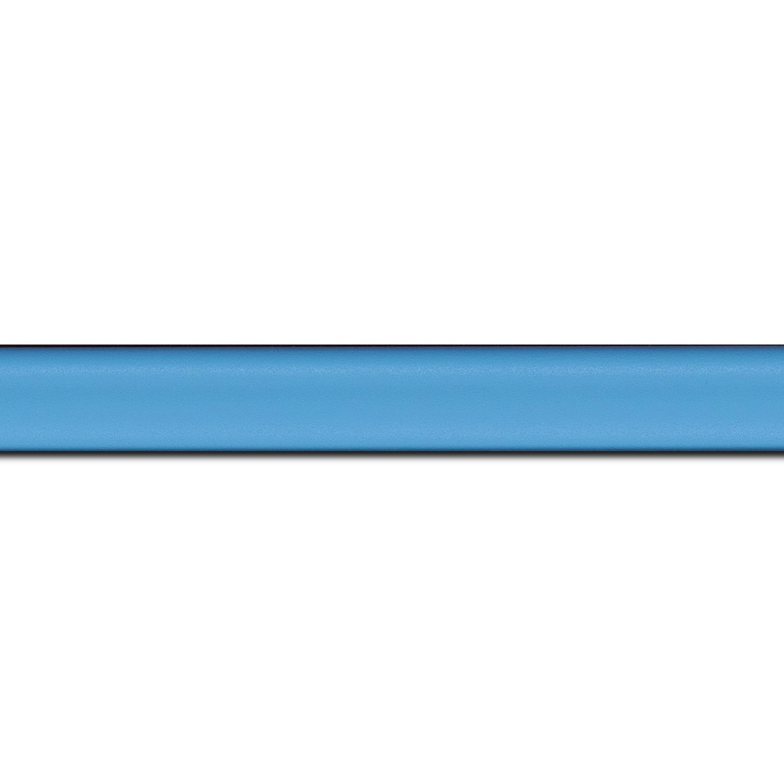 Pack par 12m, bois profil incurvé largeur 2.1cm couleur bleu tendre satiné (longueur baguette pouvant varier entre 2.40m et 3m selon arrivage des bois)