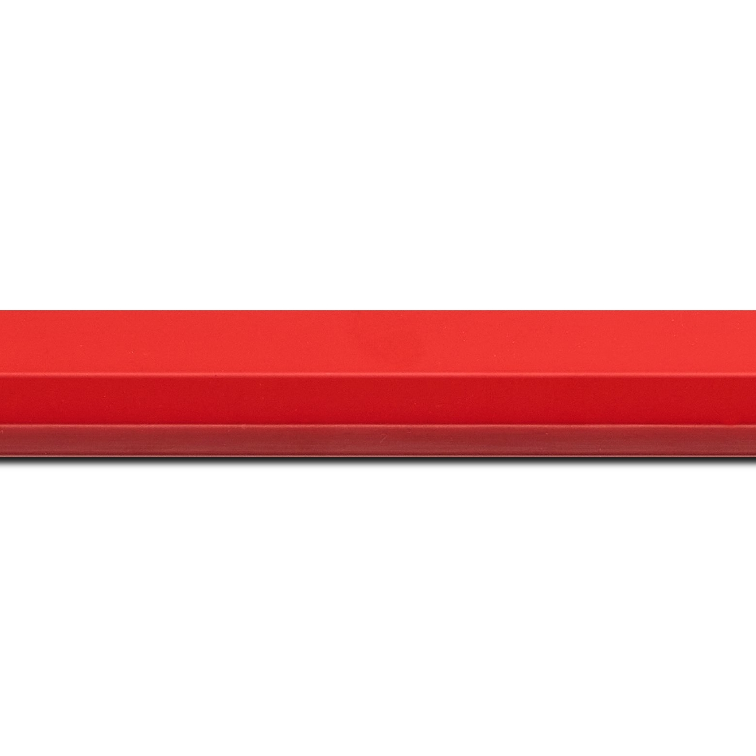 Baguette longueur 1.40m bois profil plat 3 faces largeur 2.8cm de couleur rouge , nez intérieur bordeaux dégradé