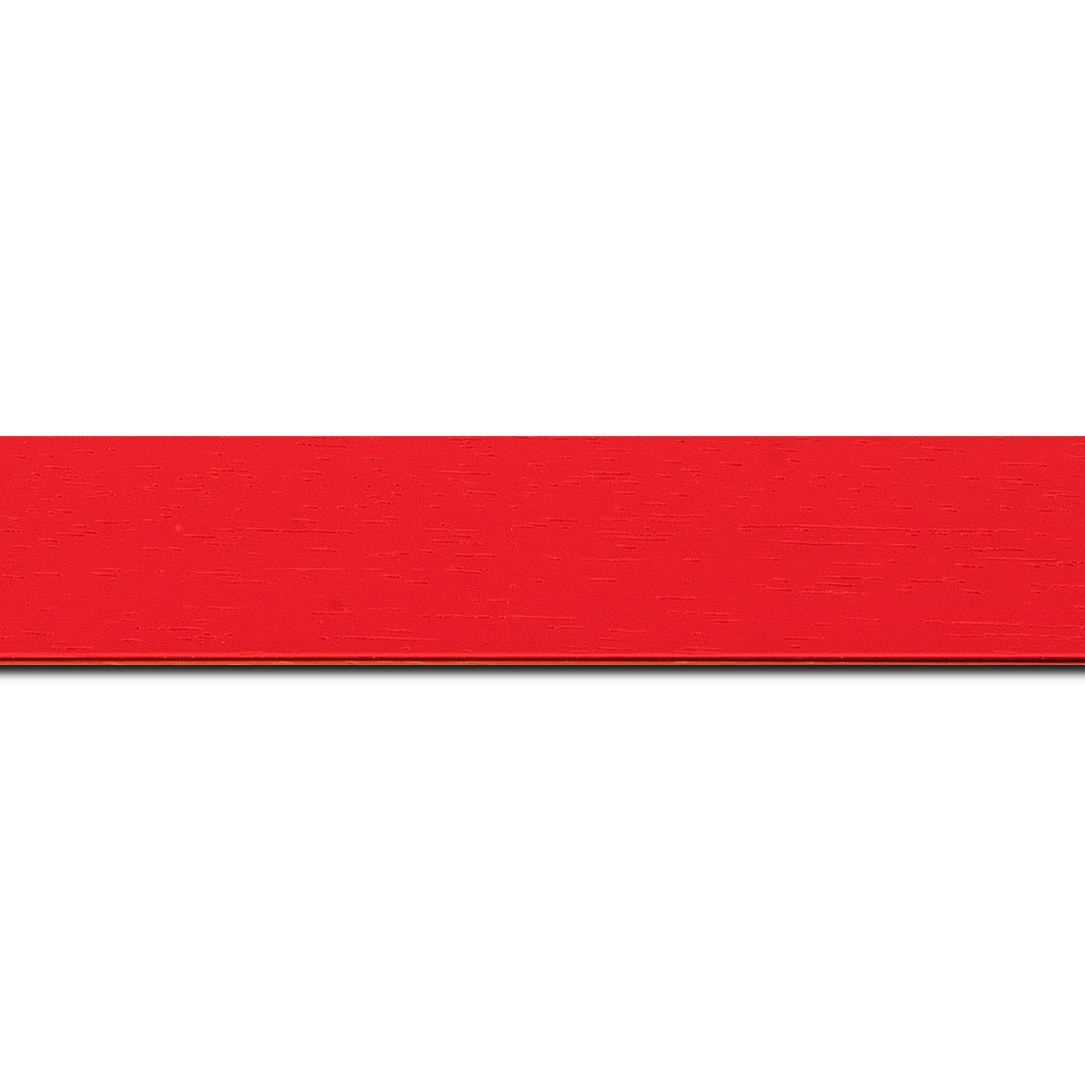 Pack par 12m, bois profil plat largeur 3cm couleur rouge tonique satiné (longueur baguette pouvant varier entre 2.40m et 3m selon arrivage des bois)