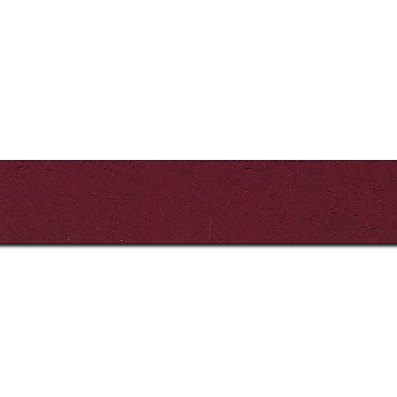 Pack par 12m, bois profil plat largeur 3cm couleur bordeaux satiné (longueur baguette pouvant varier entre 2.40m et 3m selon arrivage des bois)
