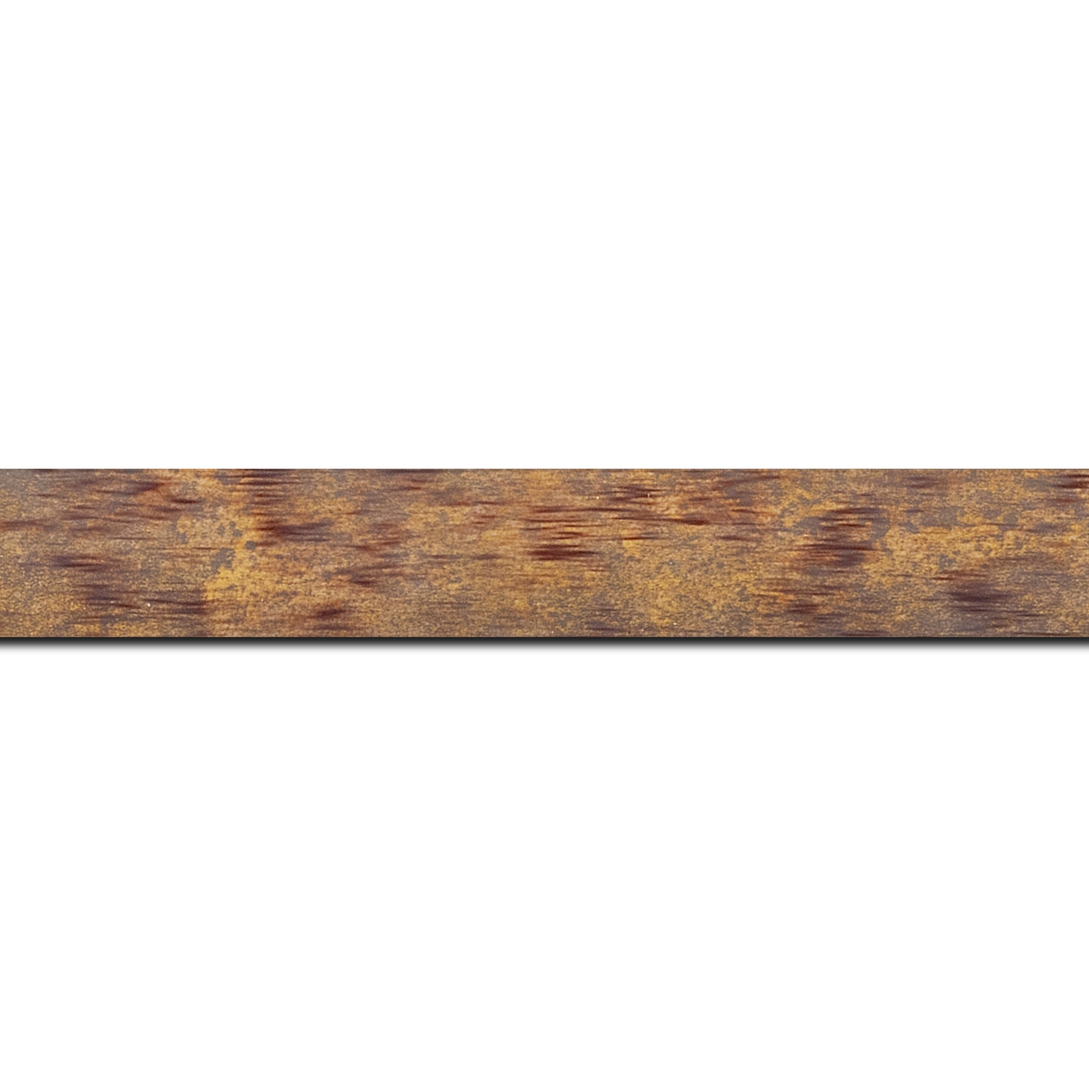 Pack par 12m, bois profil concave largeur 2.4cm de couleur bordeaux patiné fond or(longueur baguette pouvant varier entre 2.40m et 3m selon arrivage des bois)