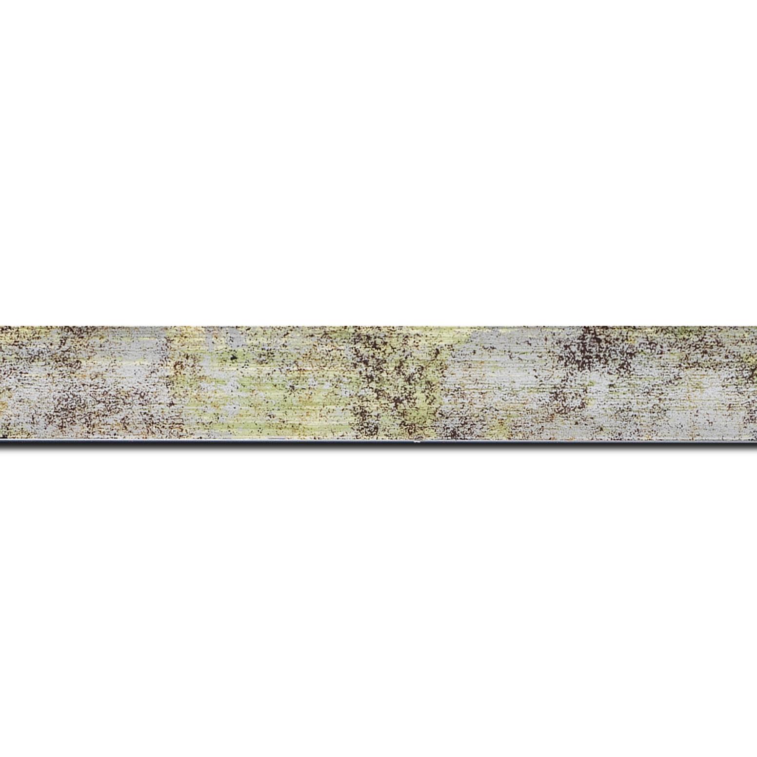 Pack par 12m, bois profil concave largeur 2.4cm de couleur vert moucheté fond argent (longueur baguette pouvant varier entre 2.40m et 3m selon arrivage des bois)